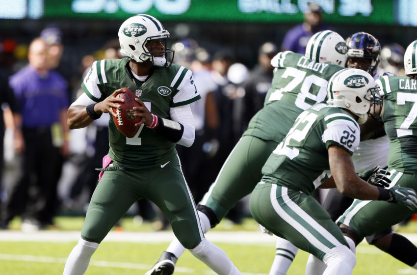 Oct 23, 2016; East Rutherford, NJ, USA;  New York Jets quarterback Geno Smith (7) drops back to pass against Baltimore Ravens during first half at MetLife Stadium. Mandatory Credit: Noah K. Murray-USA TODAY Sports
