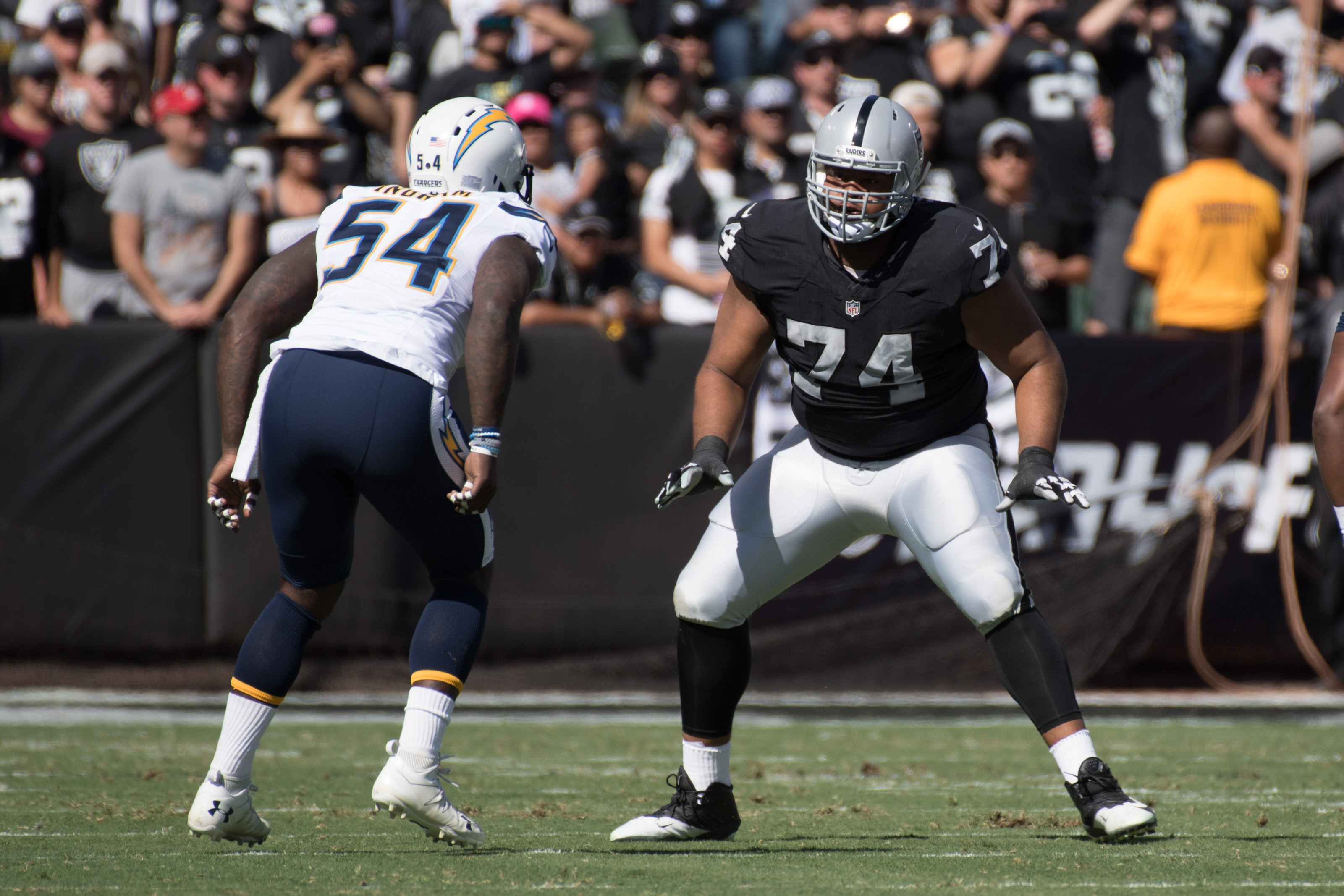 9630618-nfl-san-diego-chargers-at-oakland-raiders