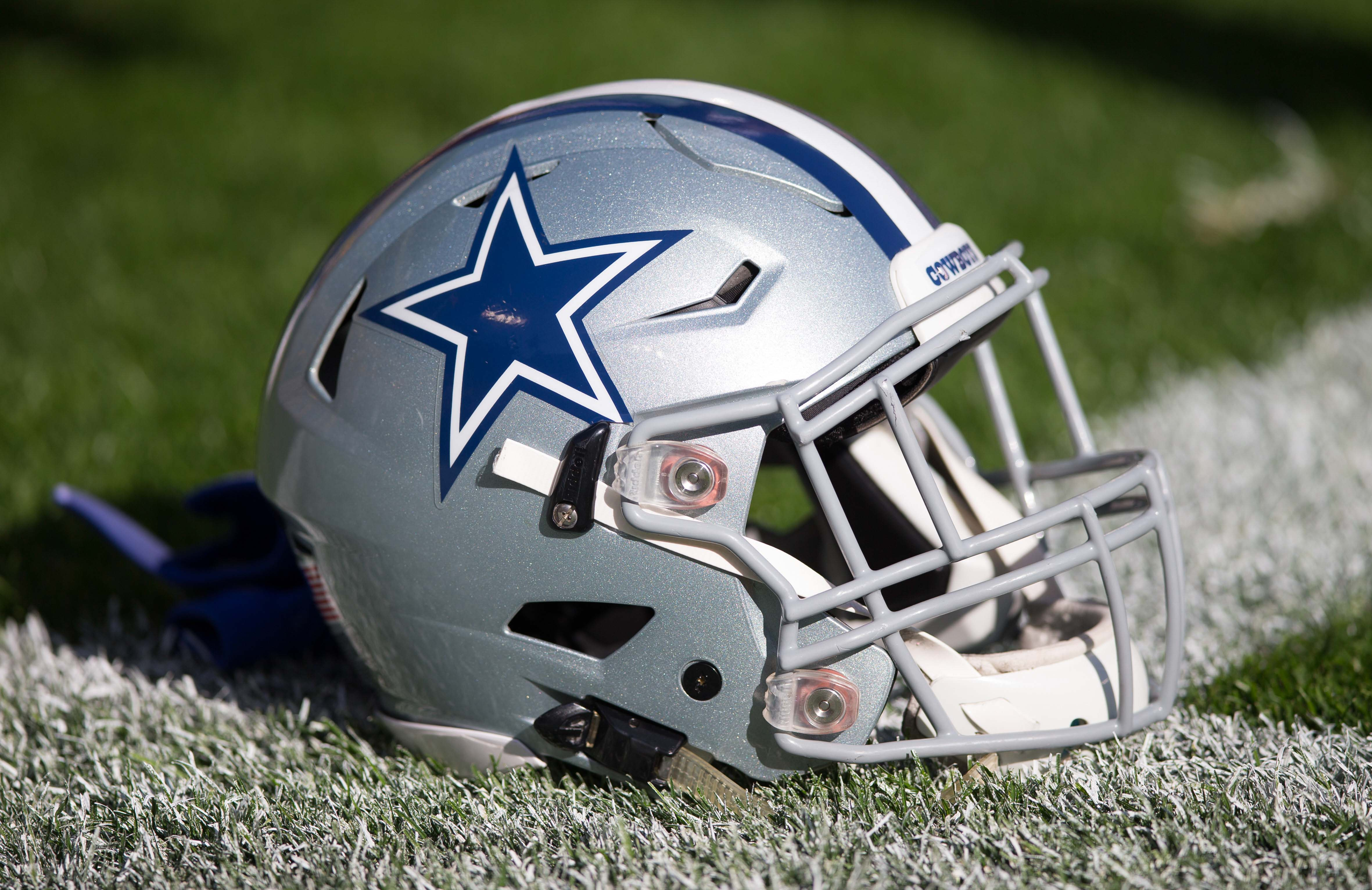 dallas cowboys helmet image the dallas cowboys must sign this free agent this offseason 1601