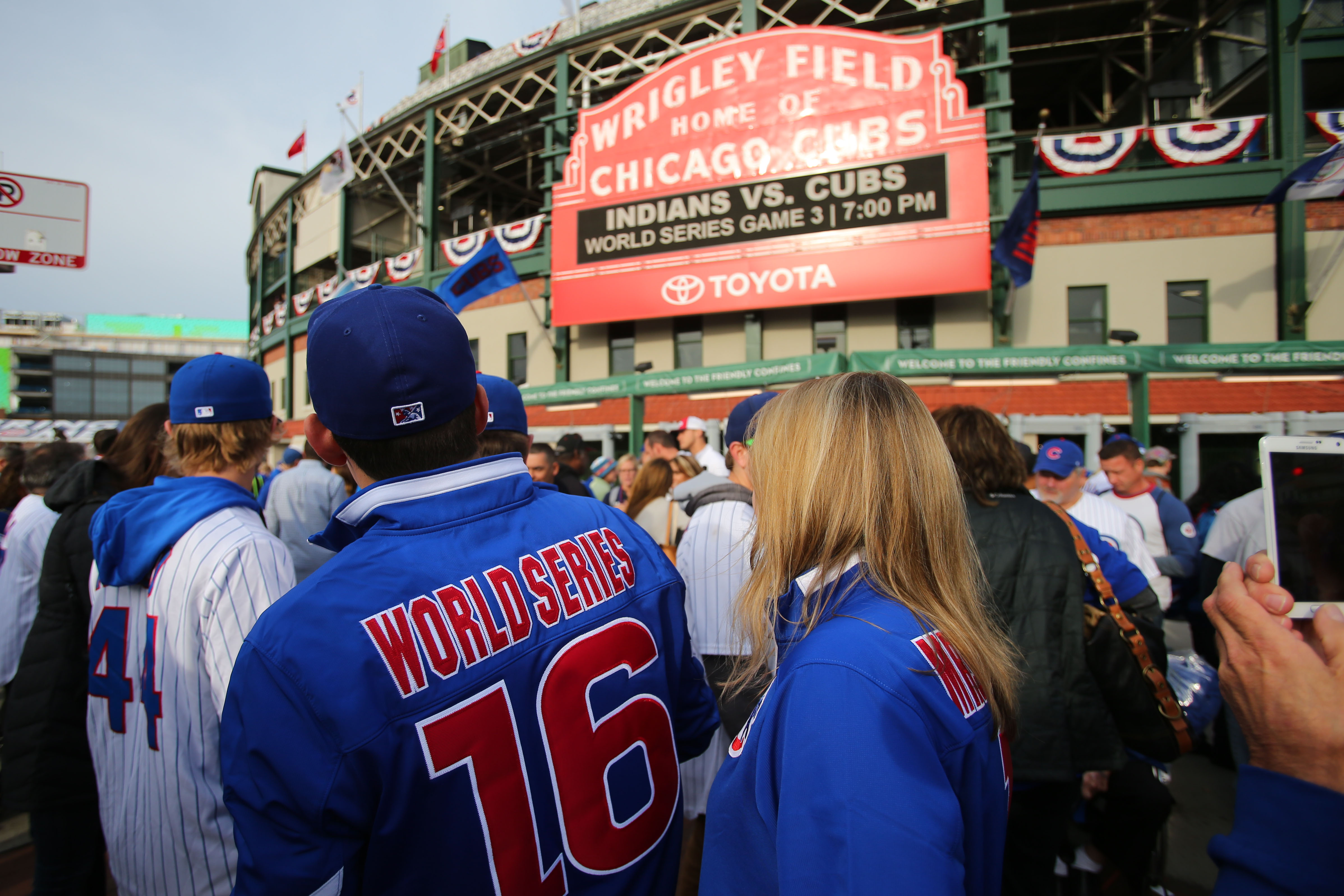 9638169-mlb-world-series-cleveland-indians-at-chicago-cubs