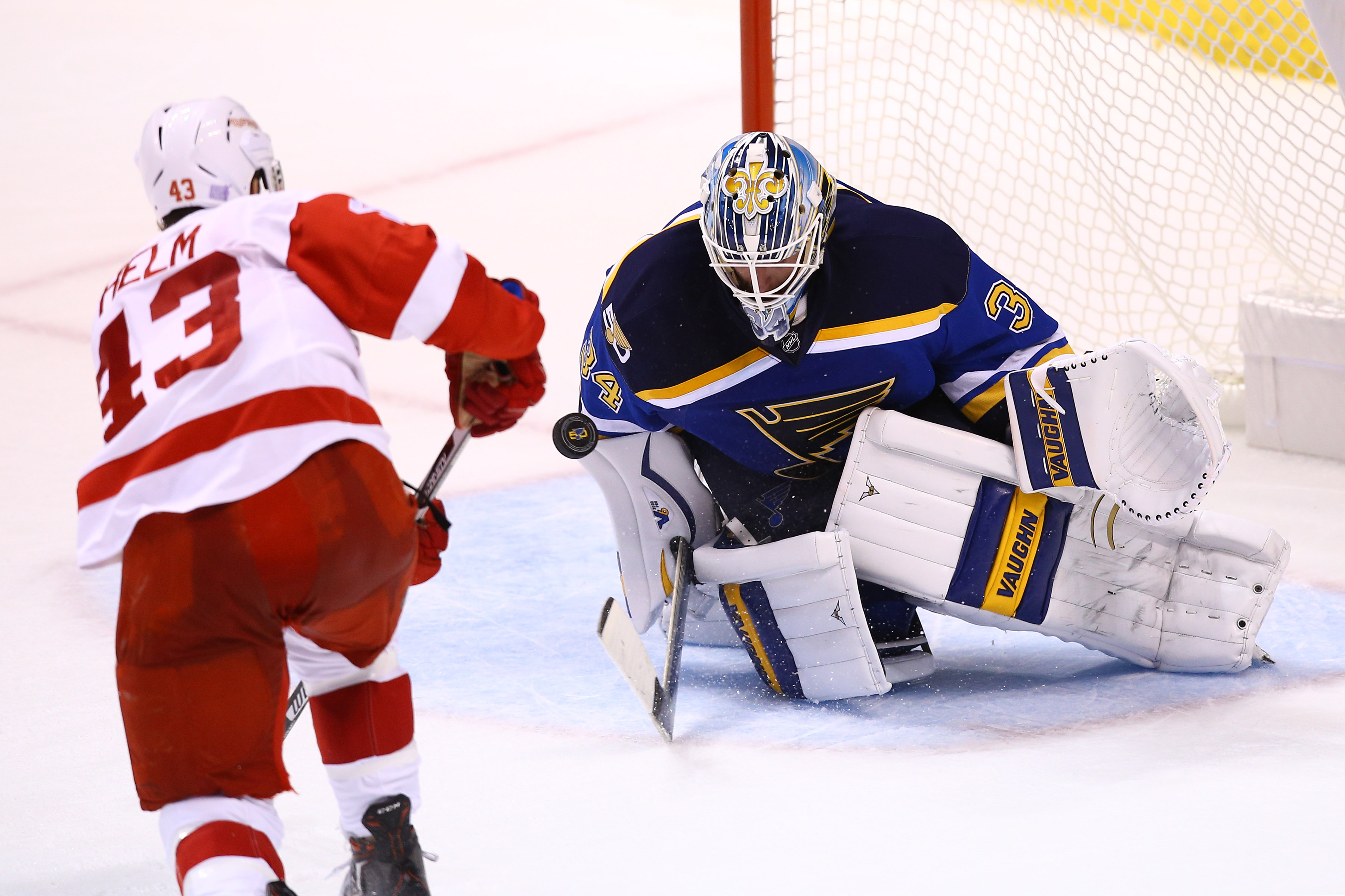 9646271-nhl-detroit-red-wings-at-st.-louis-blues