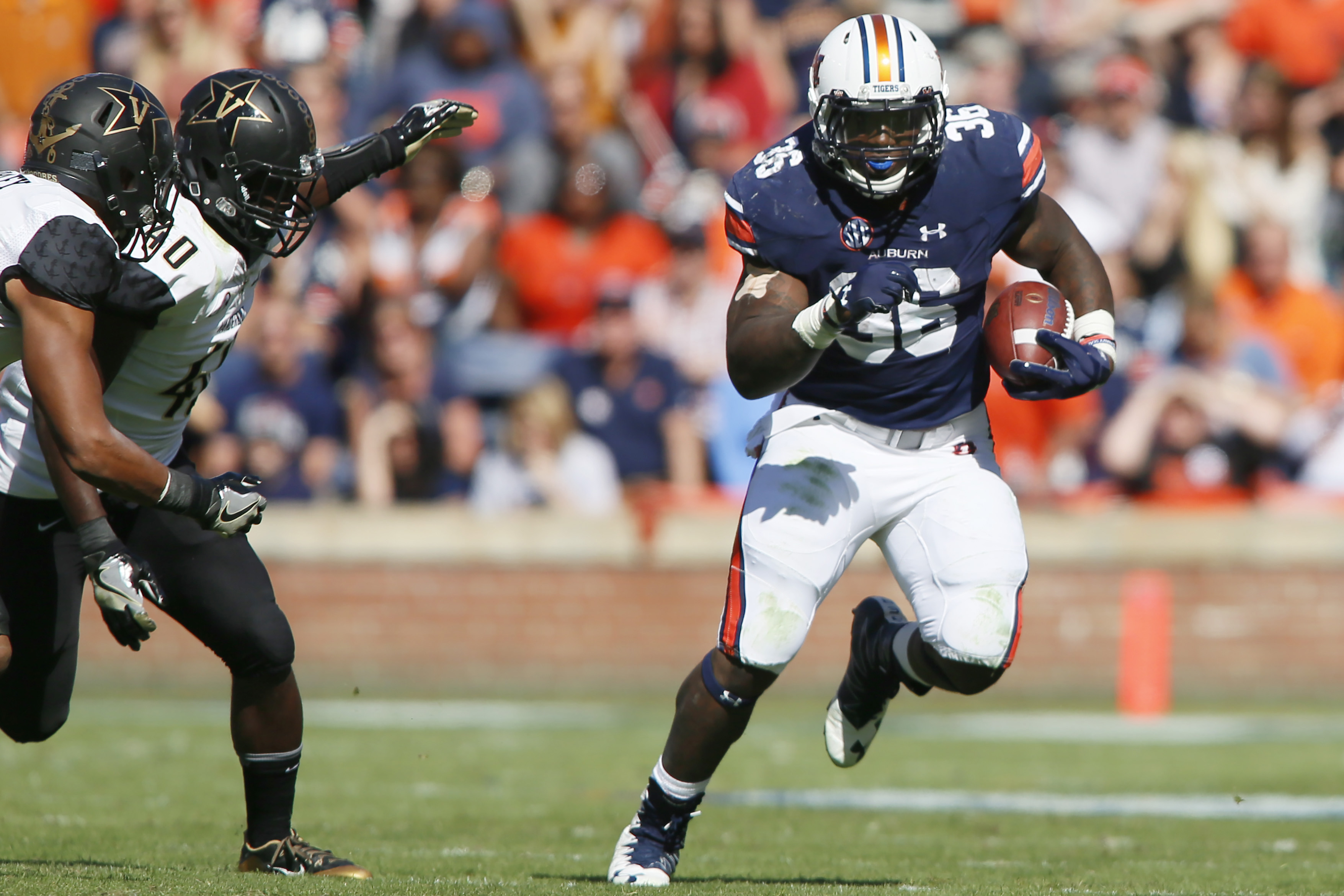 Nov 5, 2016; Auburn, AL, USA; Auburn Tigers running back Kamryn Pettway (36) carries against the Vanderbilt Commodores during the third quarter at Jordan Hare Stadium. The Tigers beat the Commodores 23-16. Mandatory Credit: John Reed-USA TODAY Sports