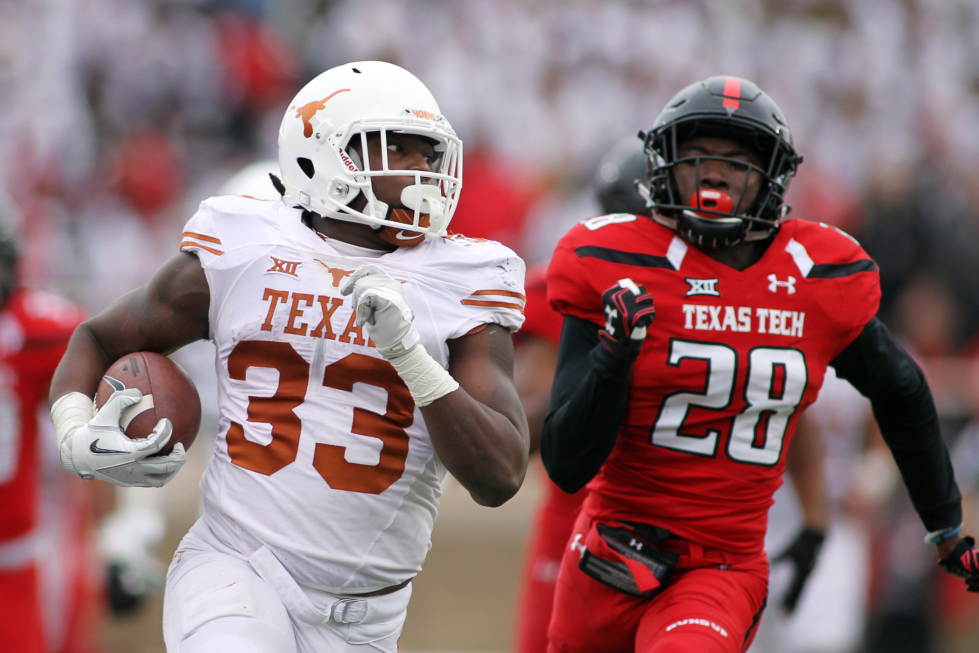 9655569-ncaa-football-texas-at-texas-tech