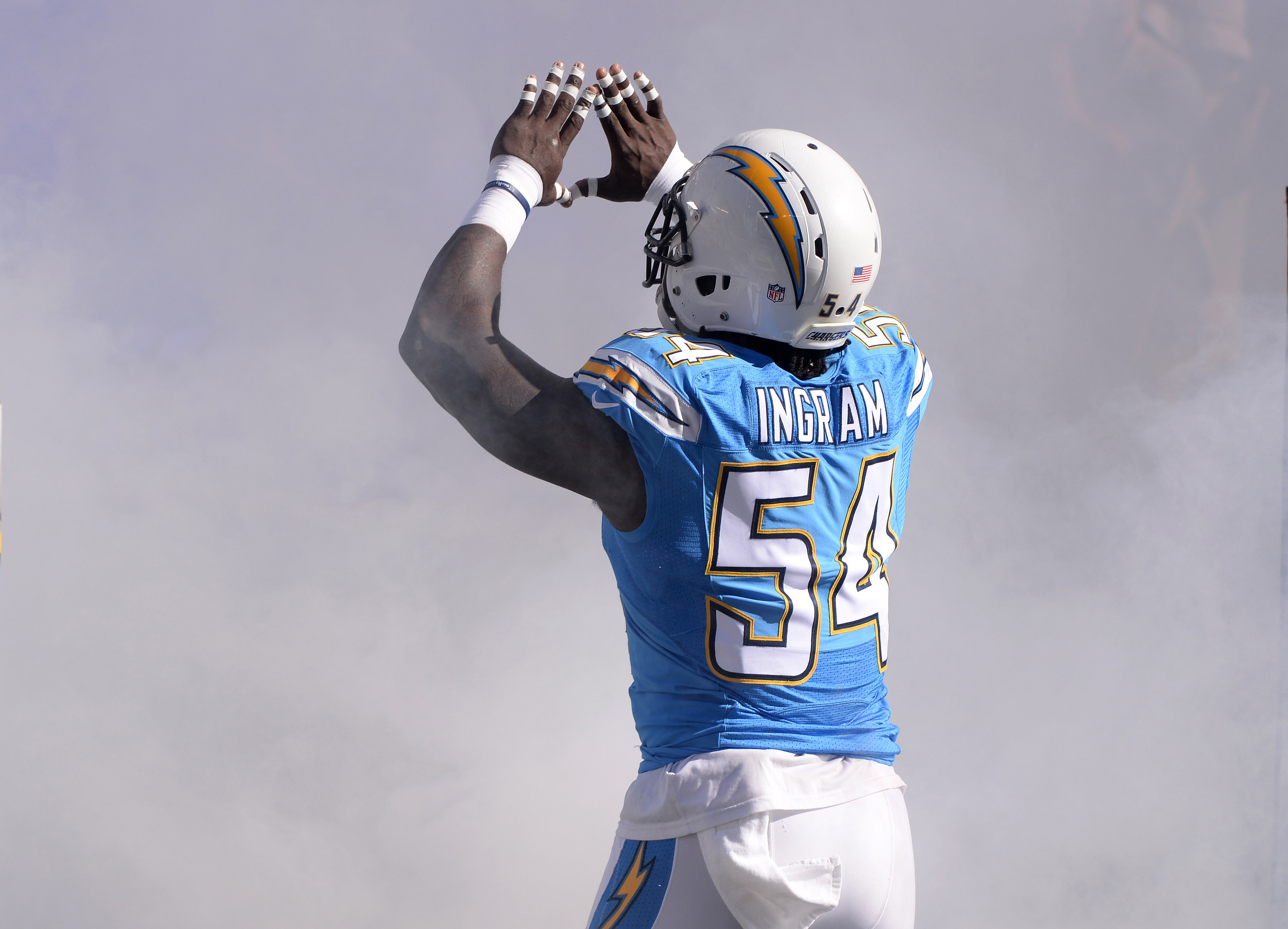 9659174-nfl-tennessee-titans-at-san-diego-chargers-1