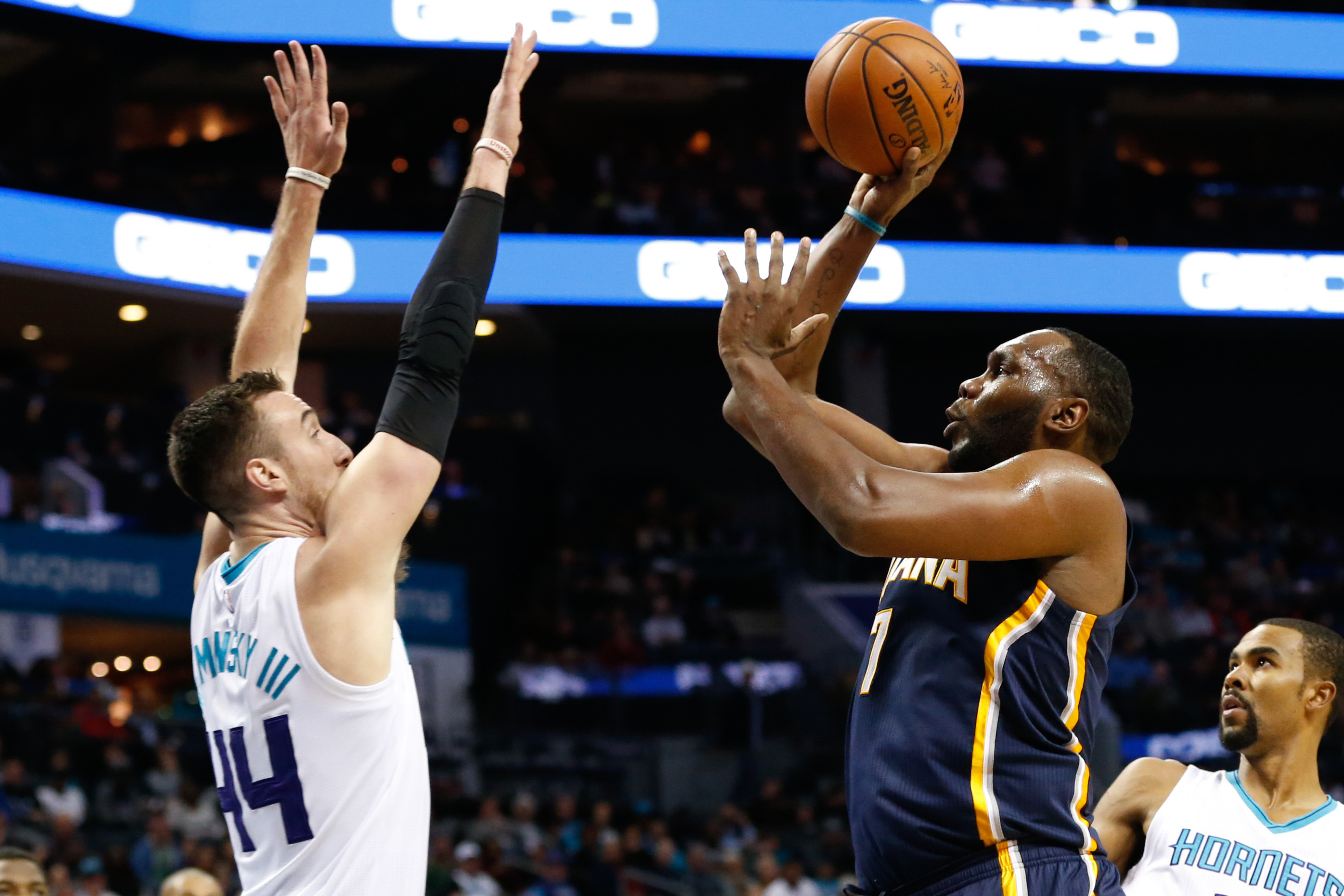 9661201-nba-indiana-pacers-at-charlotte-hornets