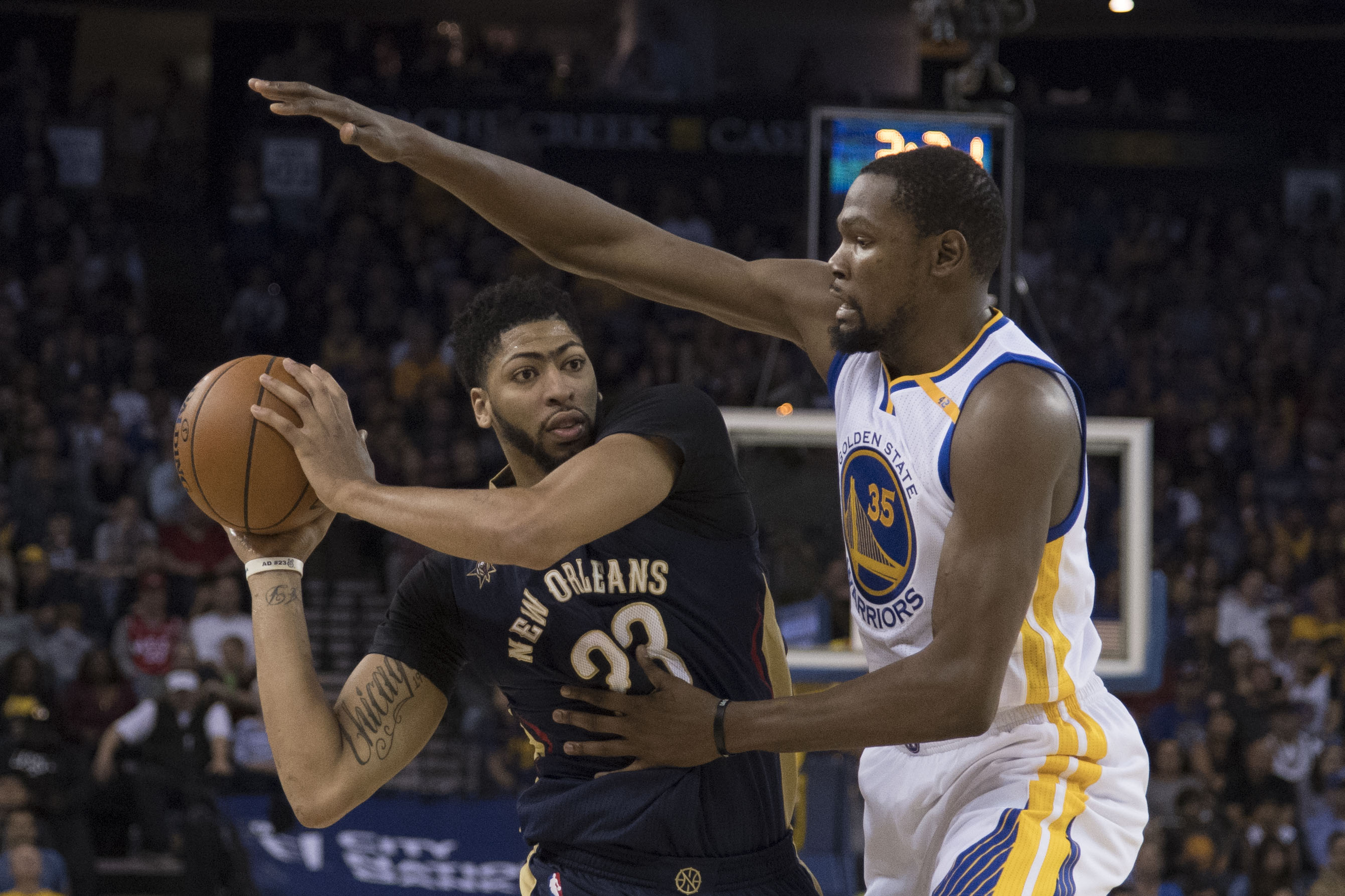 9661634-nba-new-orleans-pelicans-at-golden-state-warriors