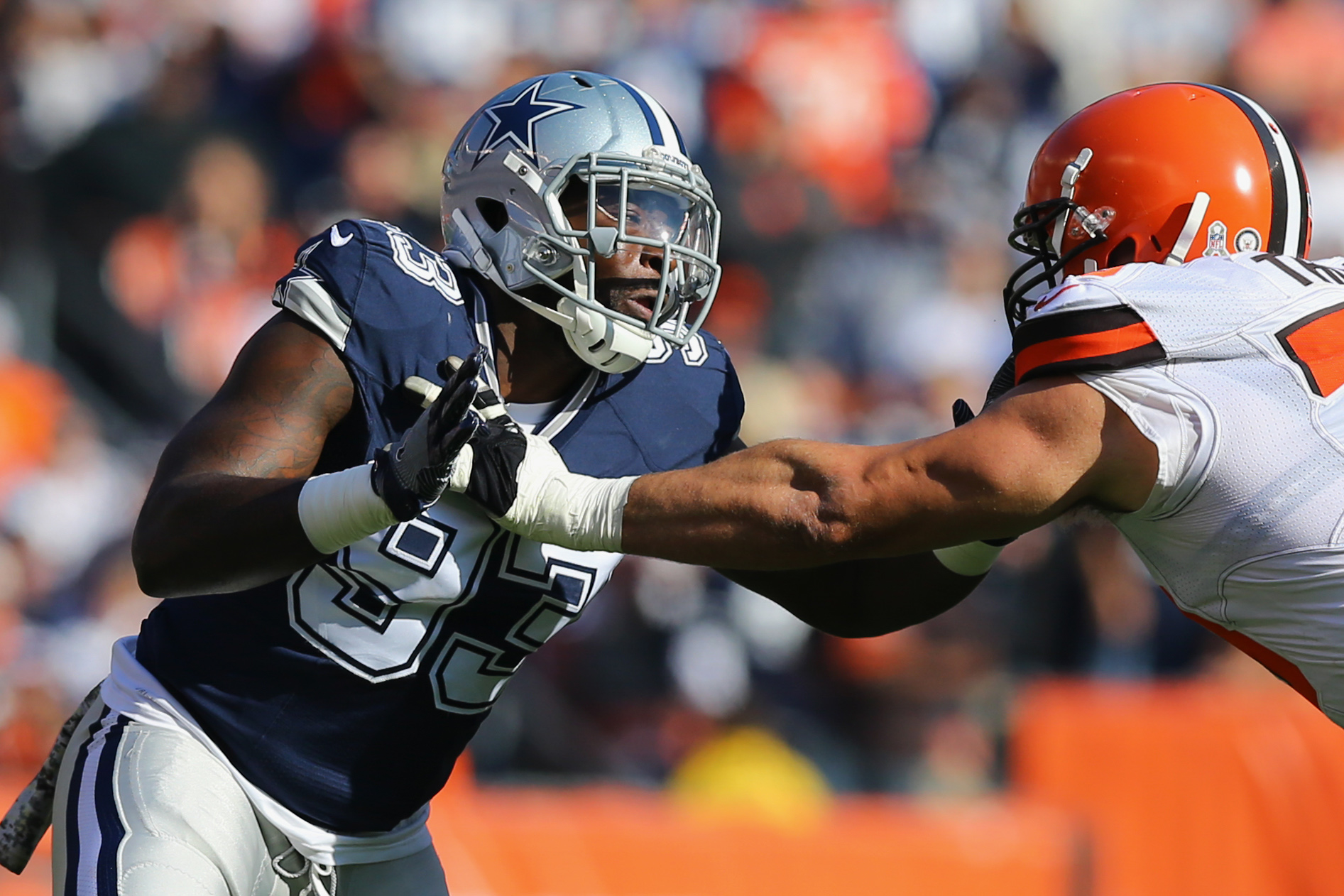 9666650-nfl-dallas-cowboys-at-cleveland-browns