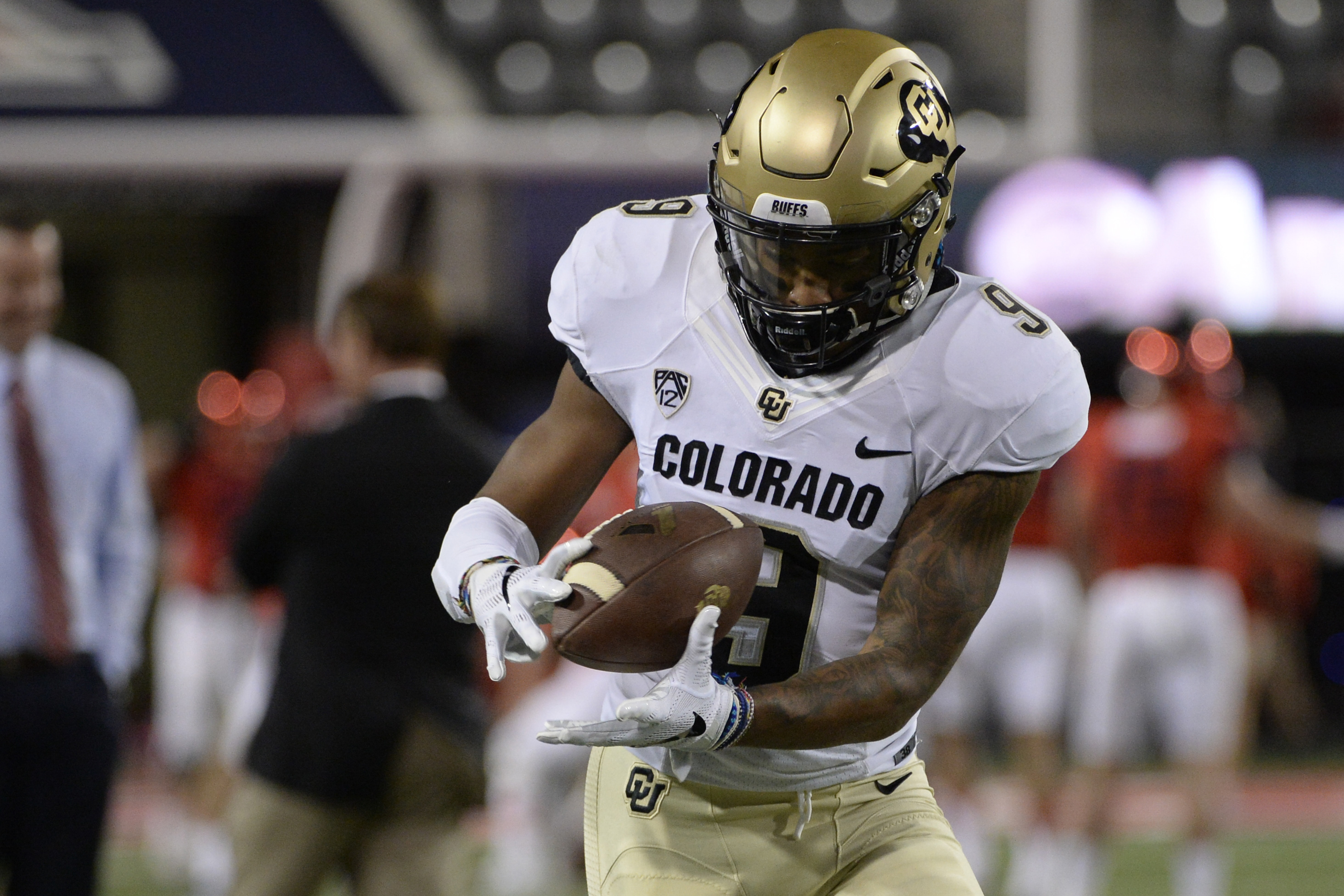 9672927-ncaa-football-colorado-at-arizona-1