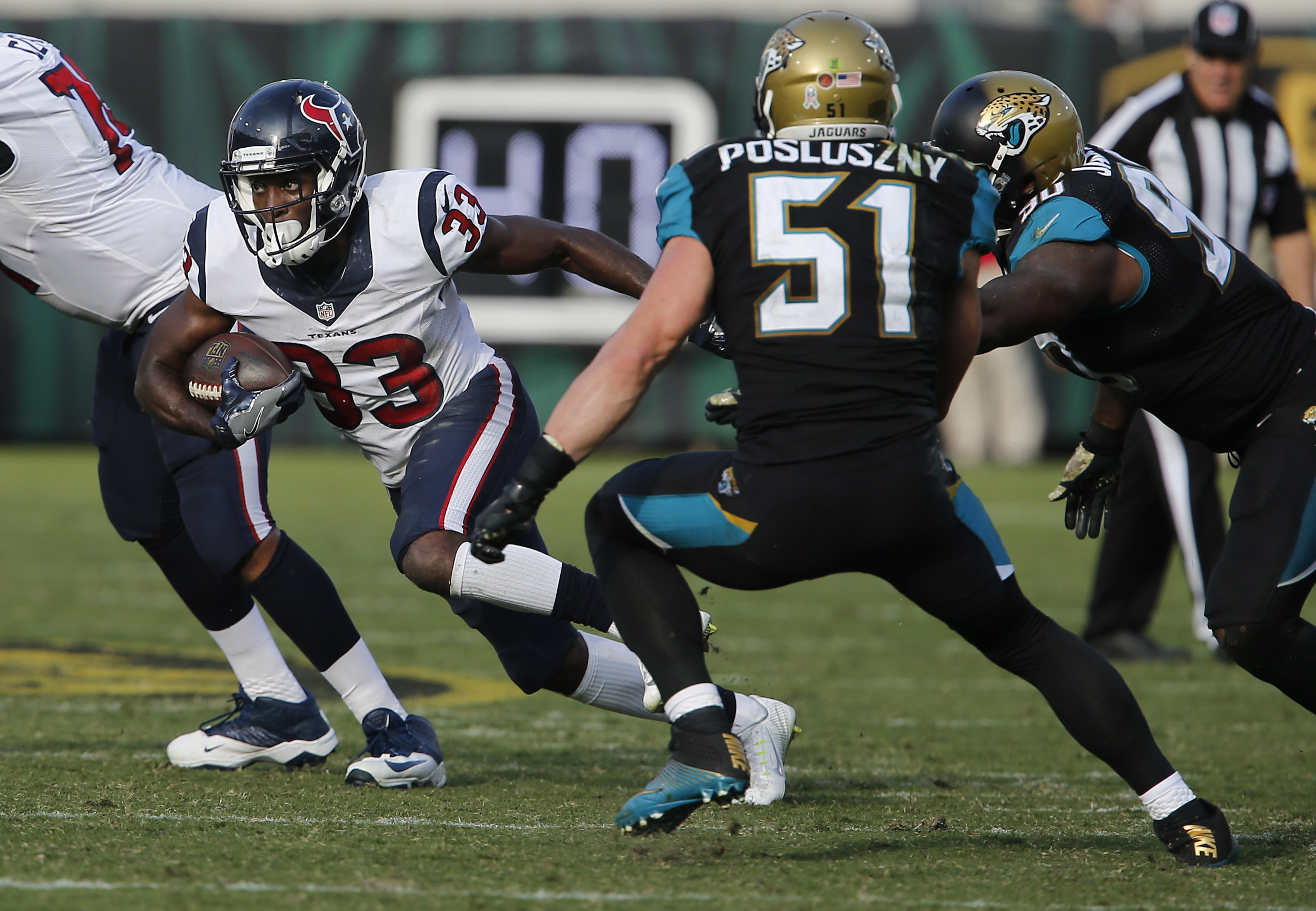 9674818-nfl-houston-texans-at-jacksonville-jaguars