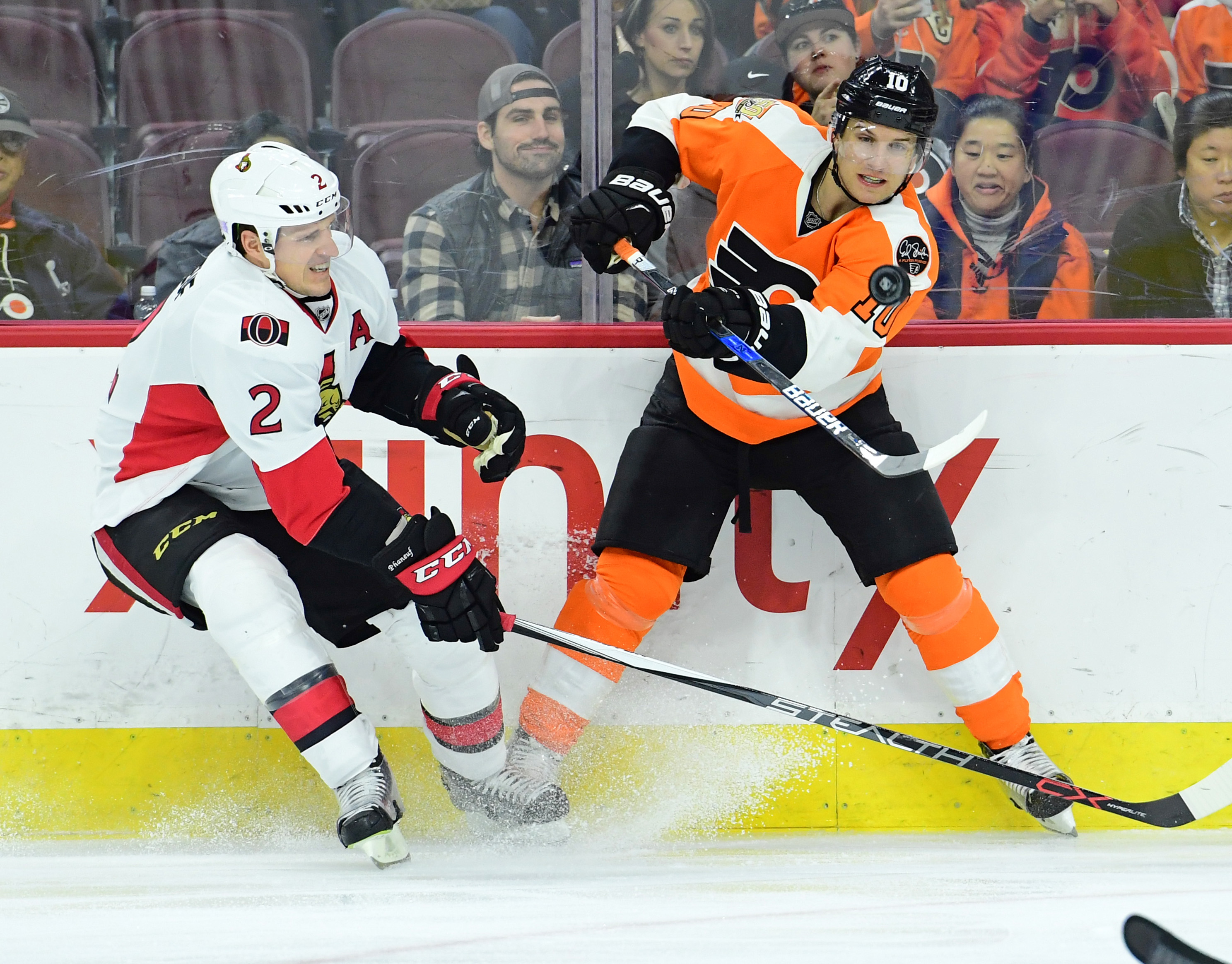 9679972-nhl-ottawa-senators-at-philadelphia-flyers