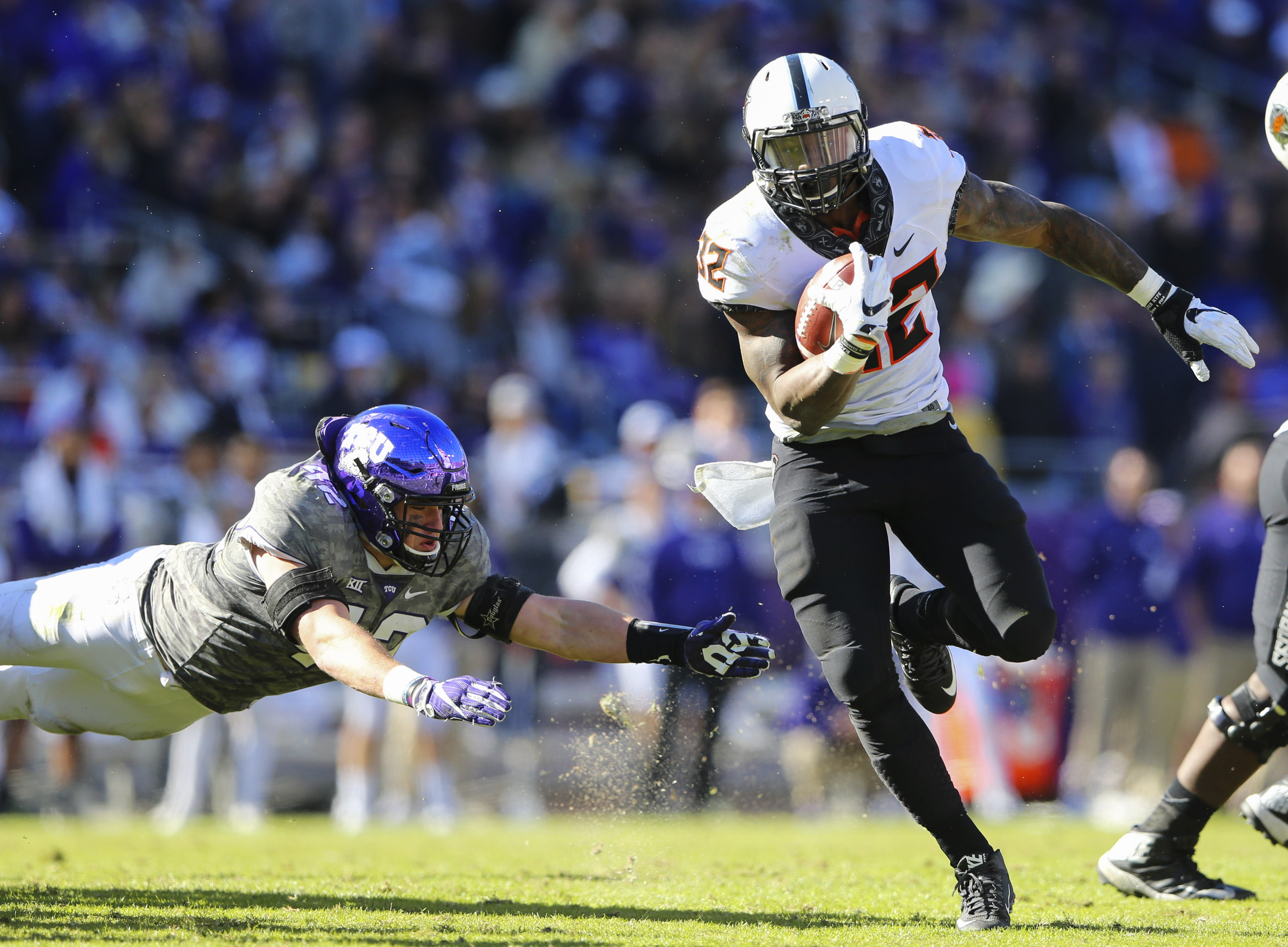 9689035-ncaa-football-oklahoma-state-at-texas-christian