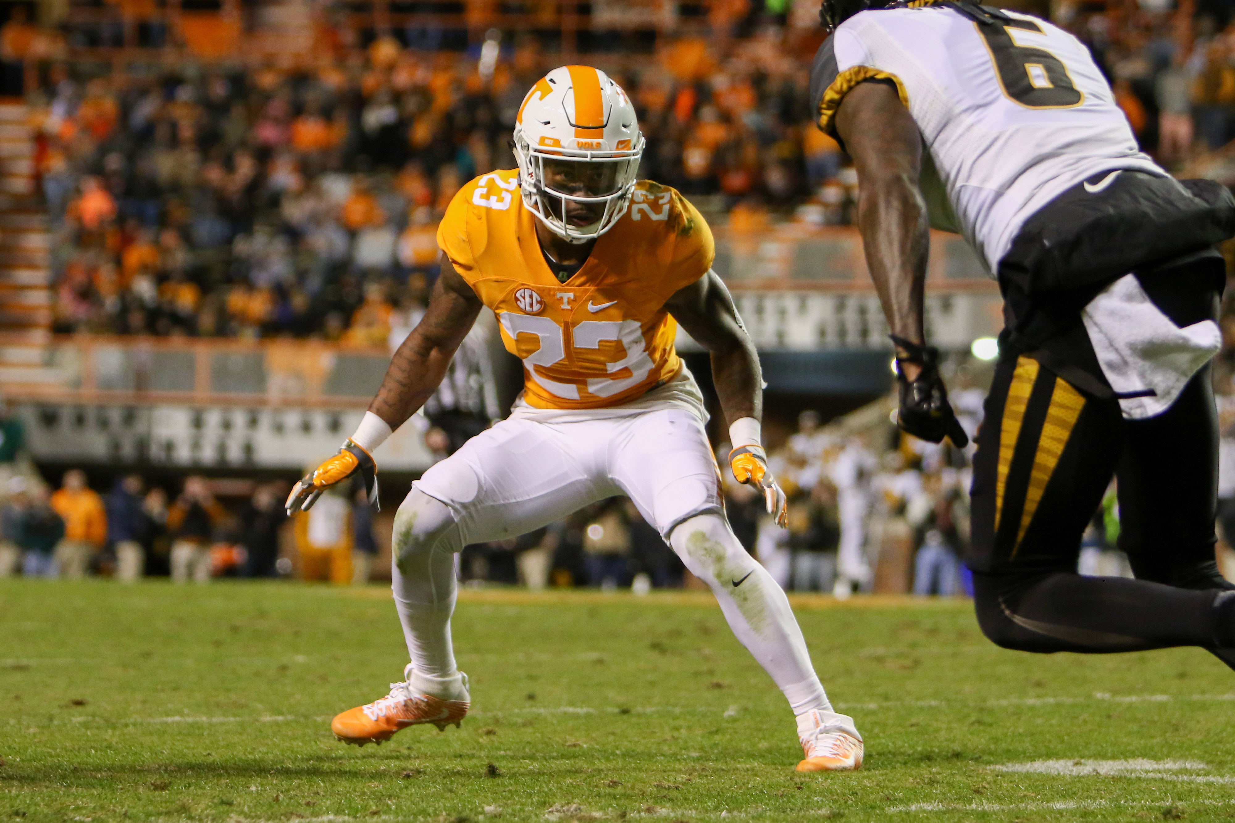 9691014-ncaa-football-missouri-at-tennessee