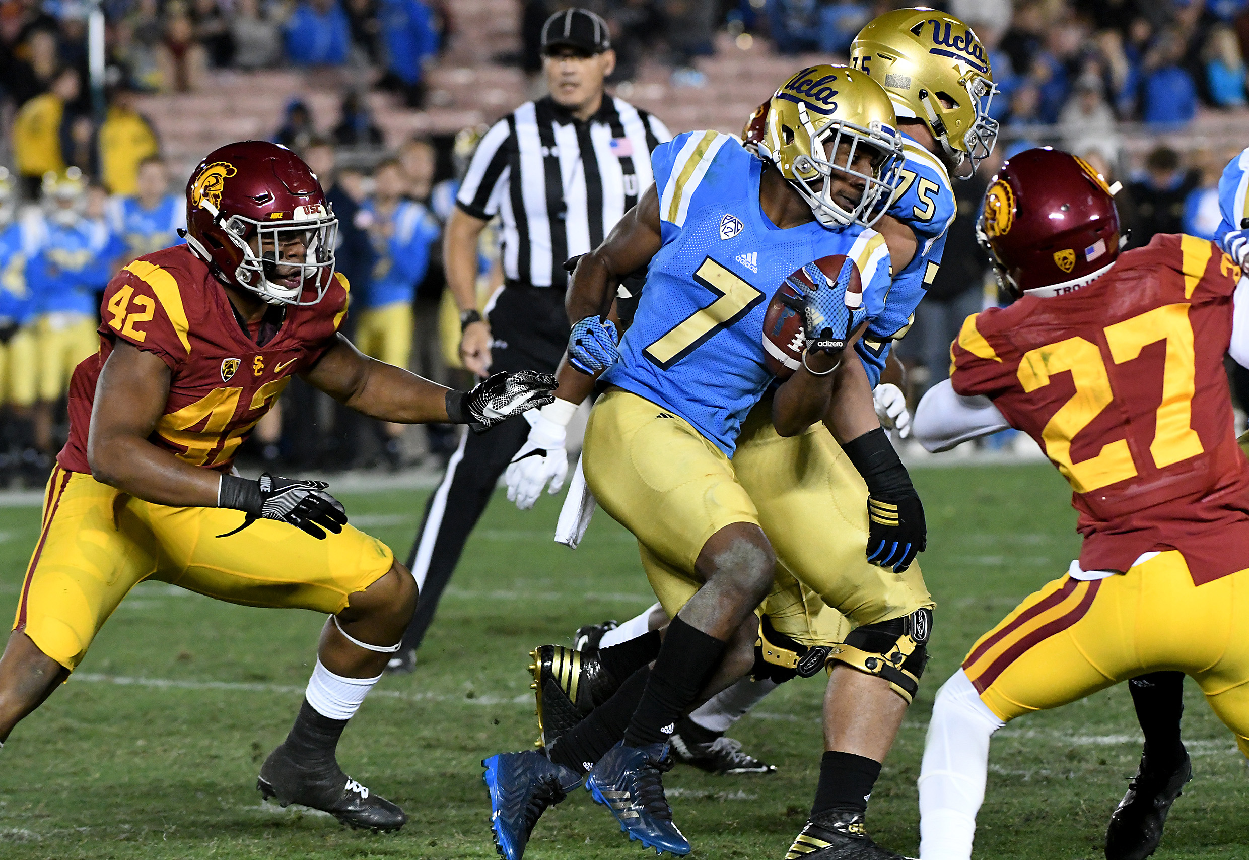 9692289-ncaa-football-southern-california-at-ucla