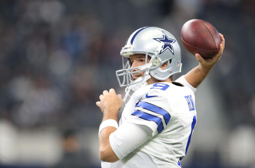 Cowboys quarterback Tony Romo (9) throws the ball prior to the game ...