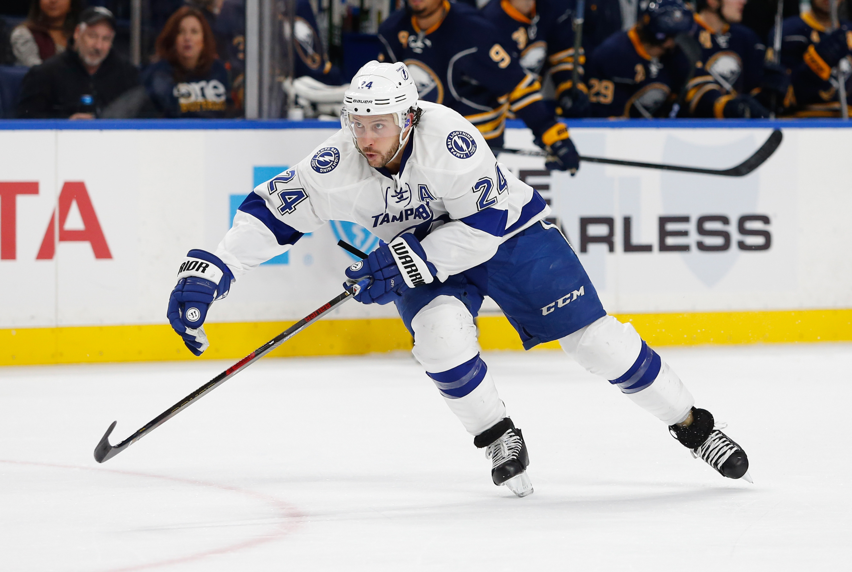 9704478-nhl-tampa-bay-lightning-at-buffalo-sabres