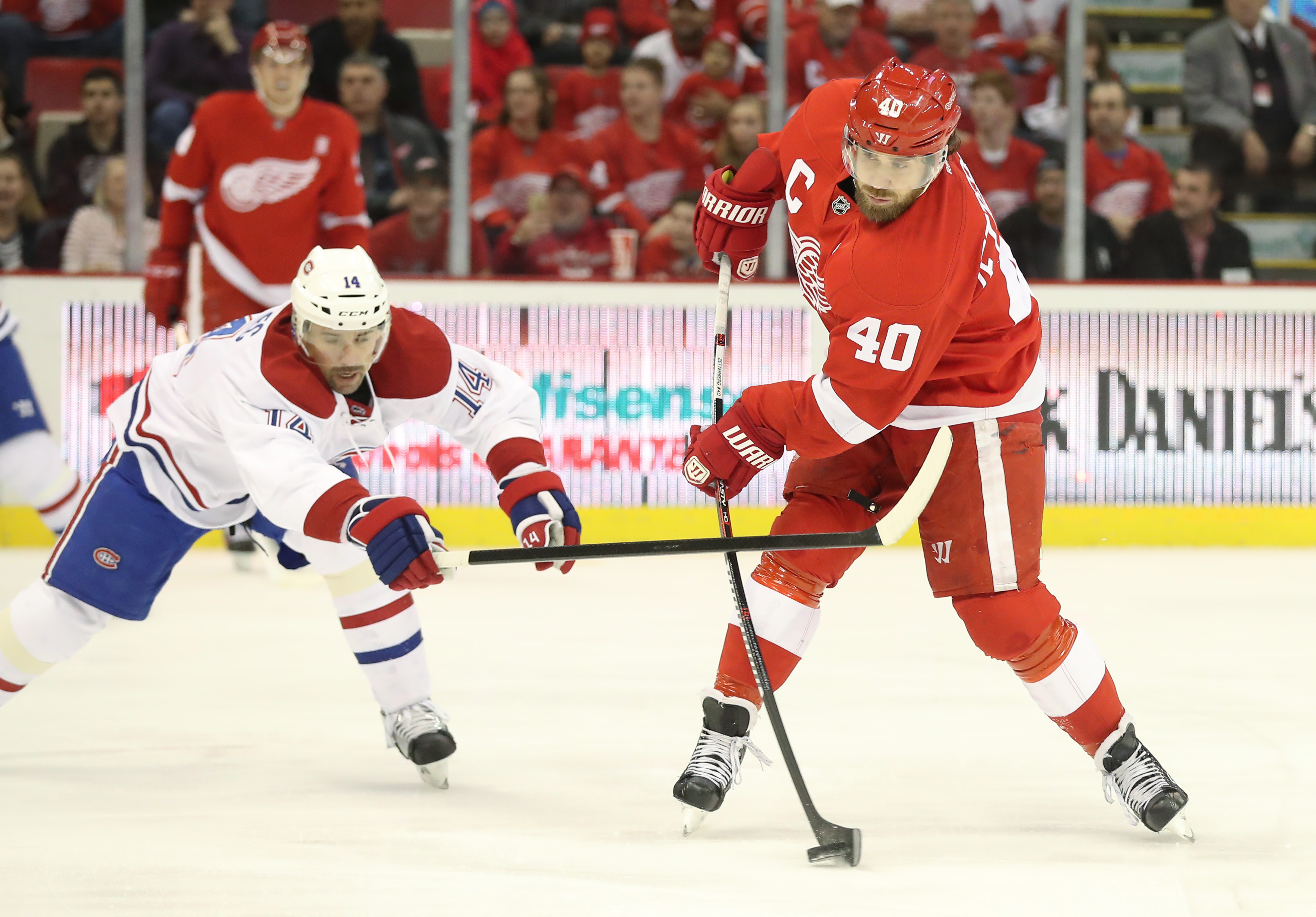 9707299-nhl-montreal-canadiens-at-detroit-red-wings