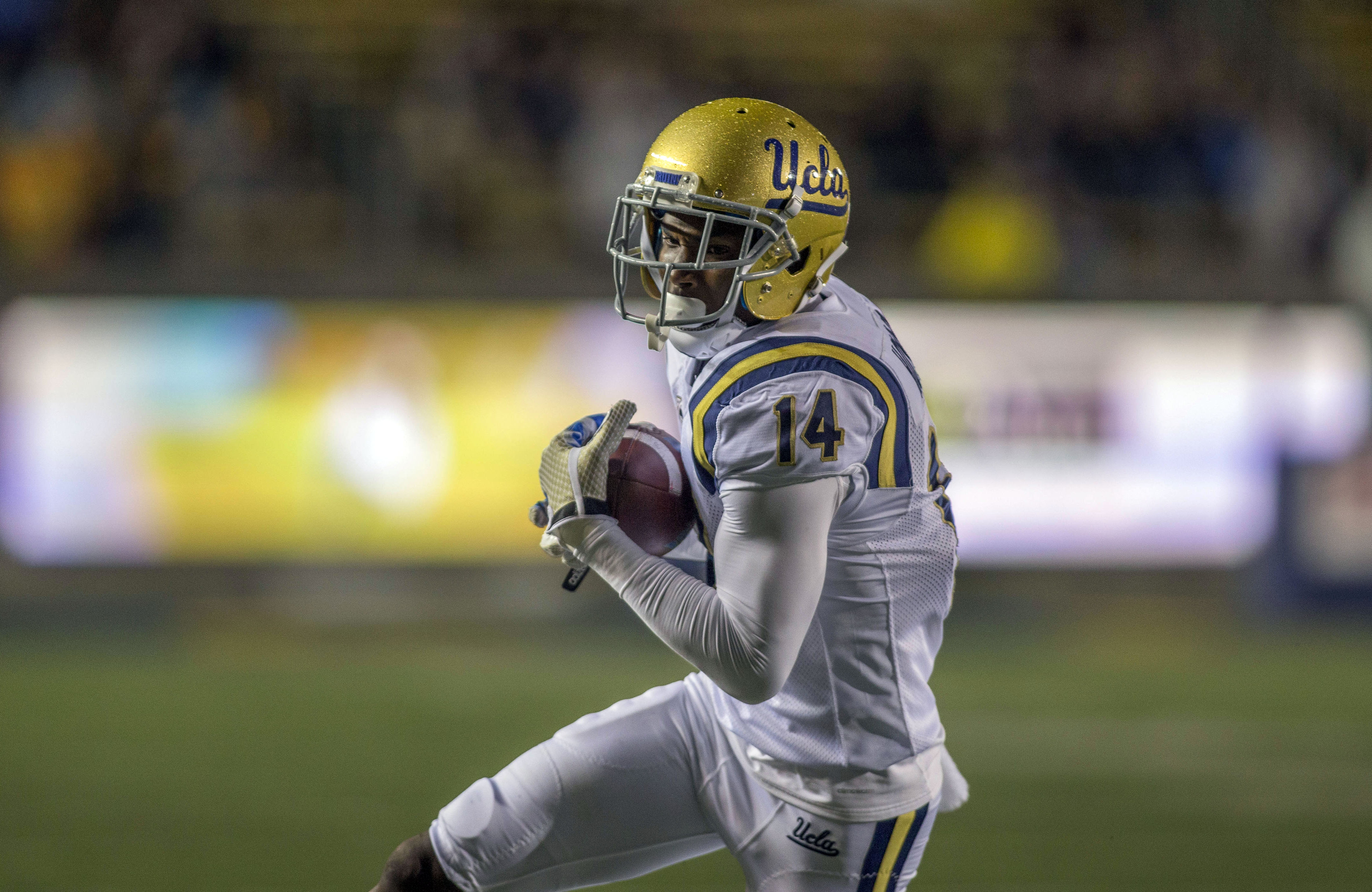 9707477-ncaa-football-ucla-at-california-1