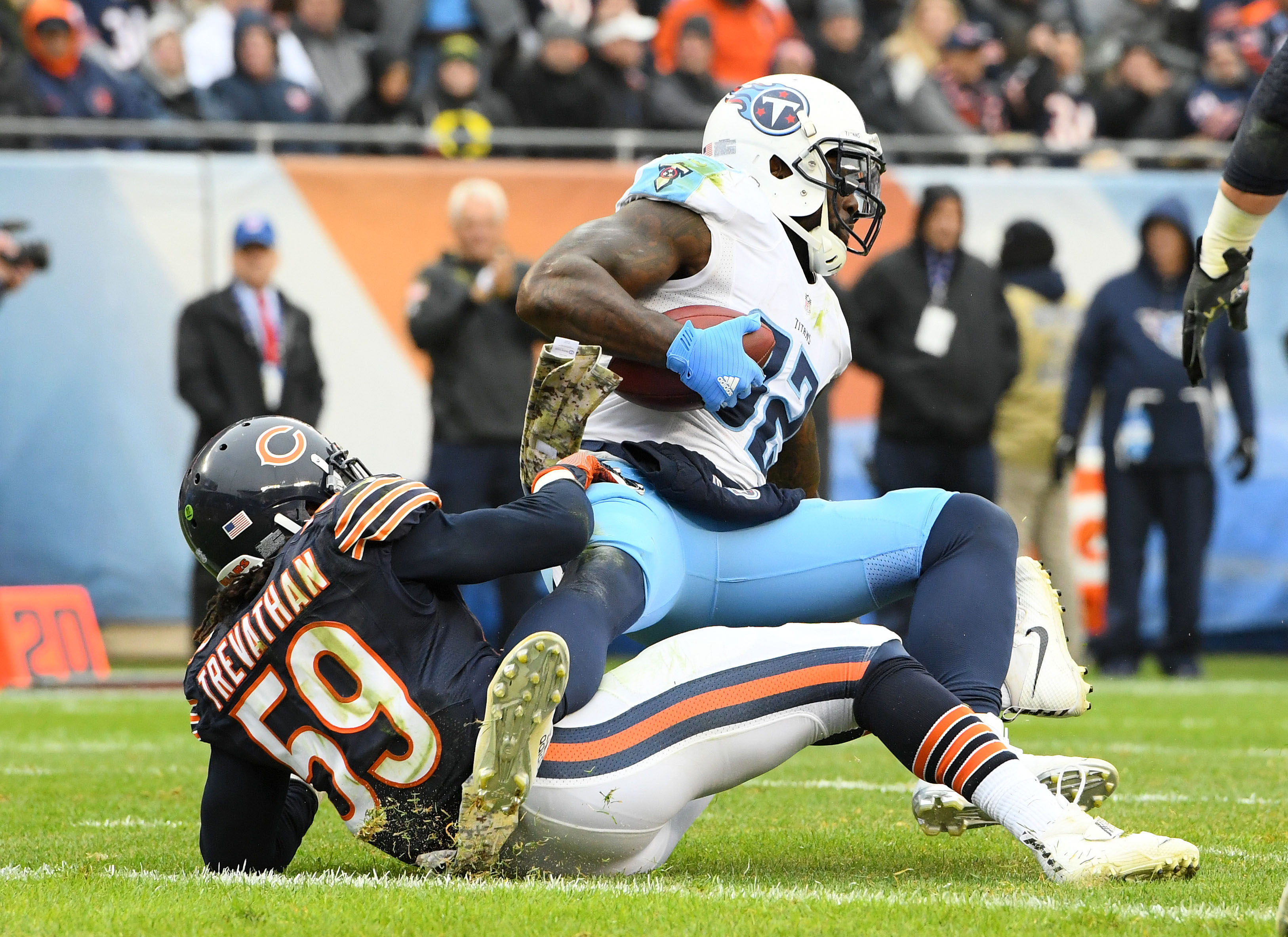 9708835-nfl-tennessee-titans-at-chicago-bears