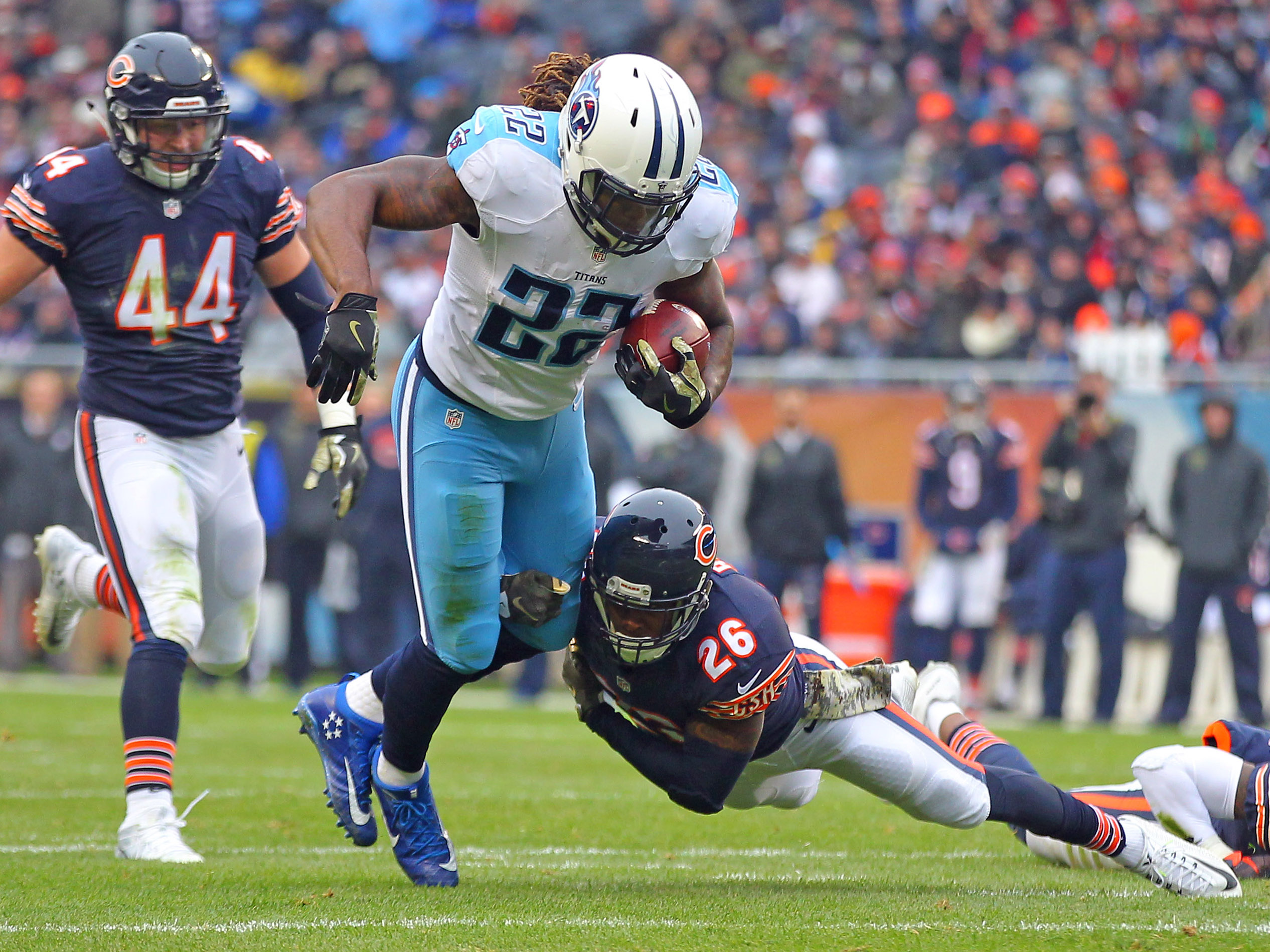9708904-nfl-tennessee-titans-at-chicago-bears