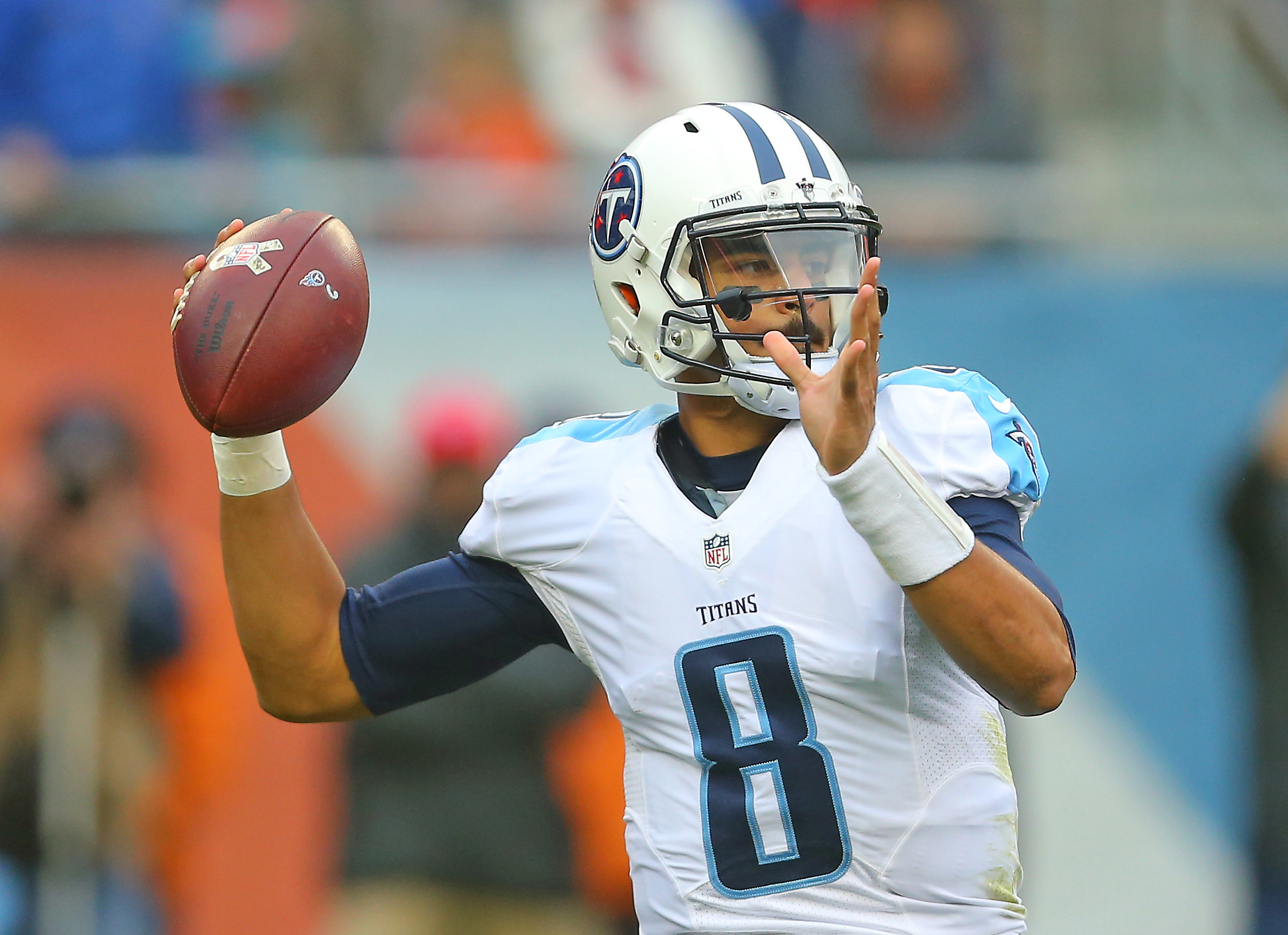 9708910-nfl-tennessee-titans-at-chicago-bears