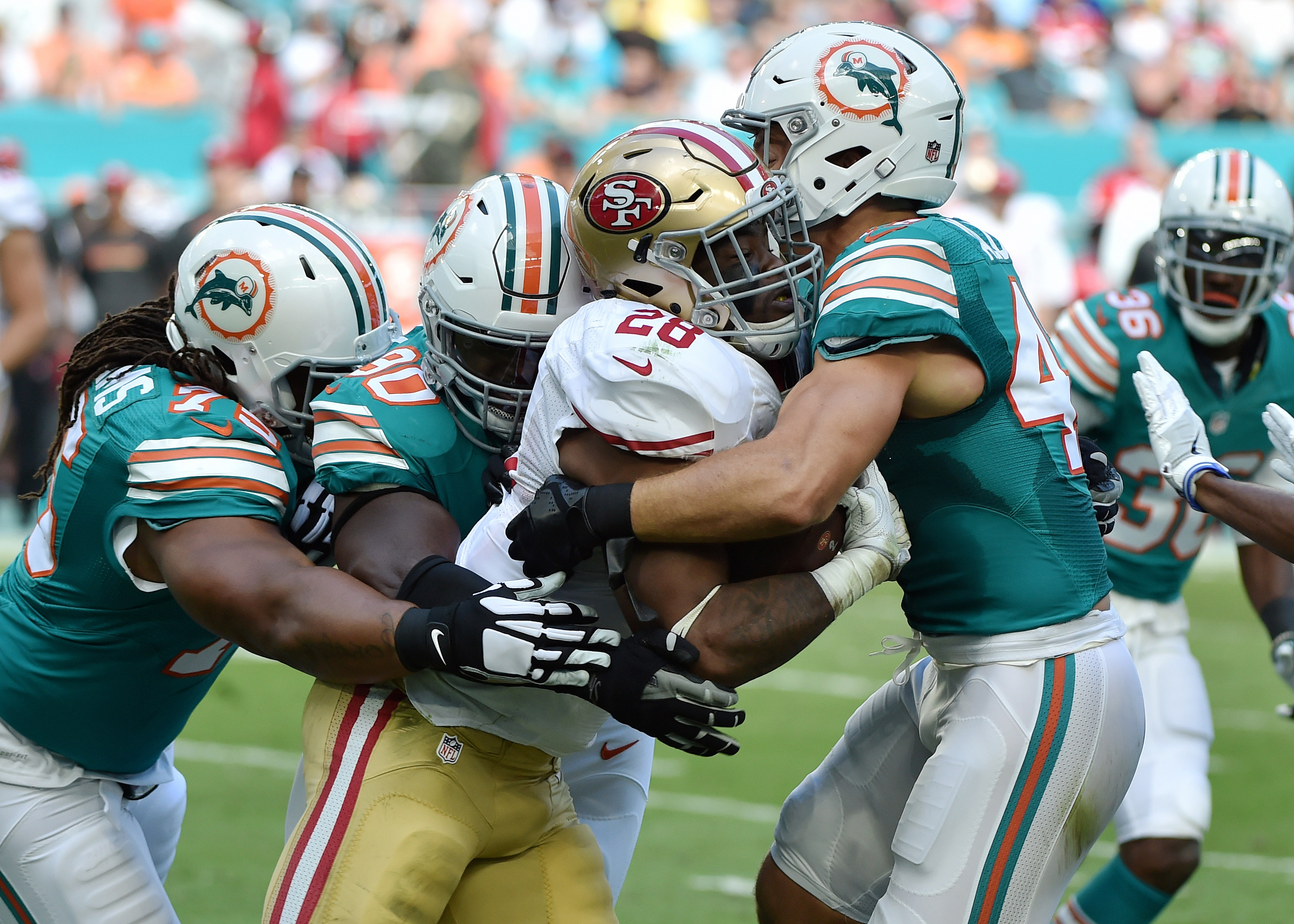 9708921-nfl-san-francisco-49ers-at-miami-dolphins