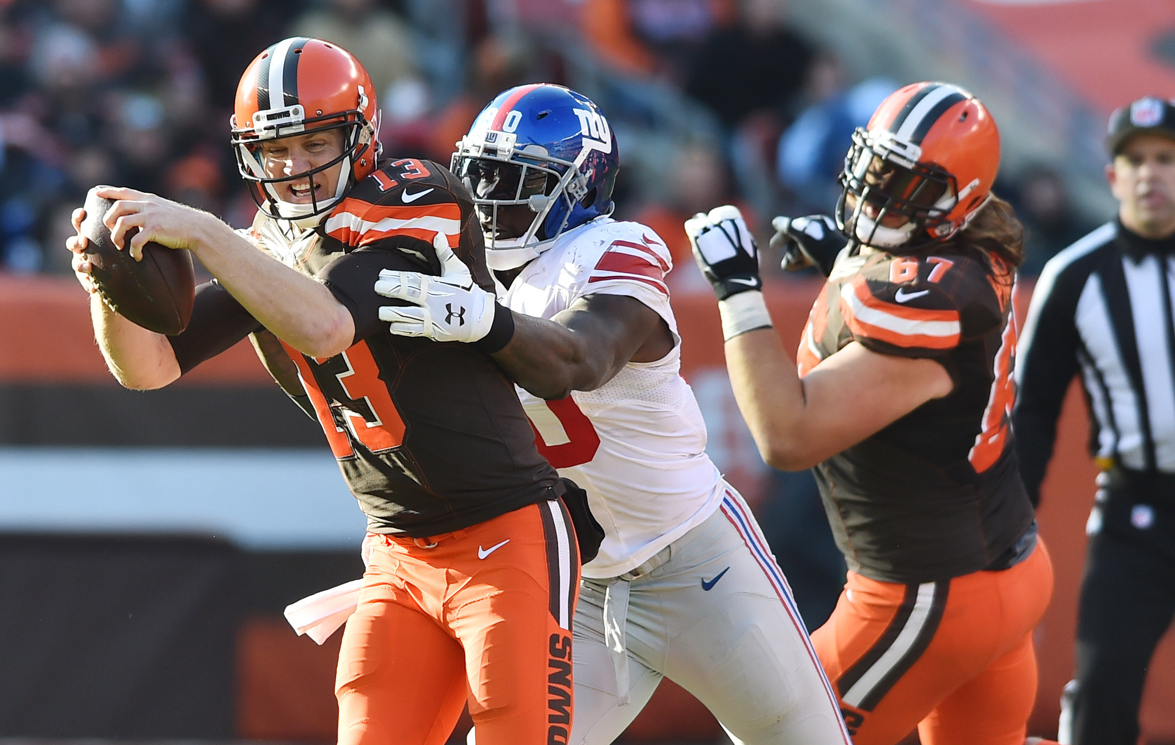9708952-nfl-new-york-giants-at-cleveland-browns