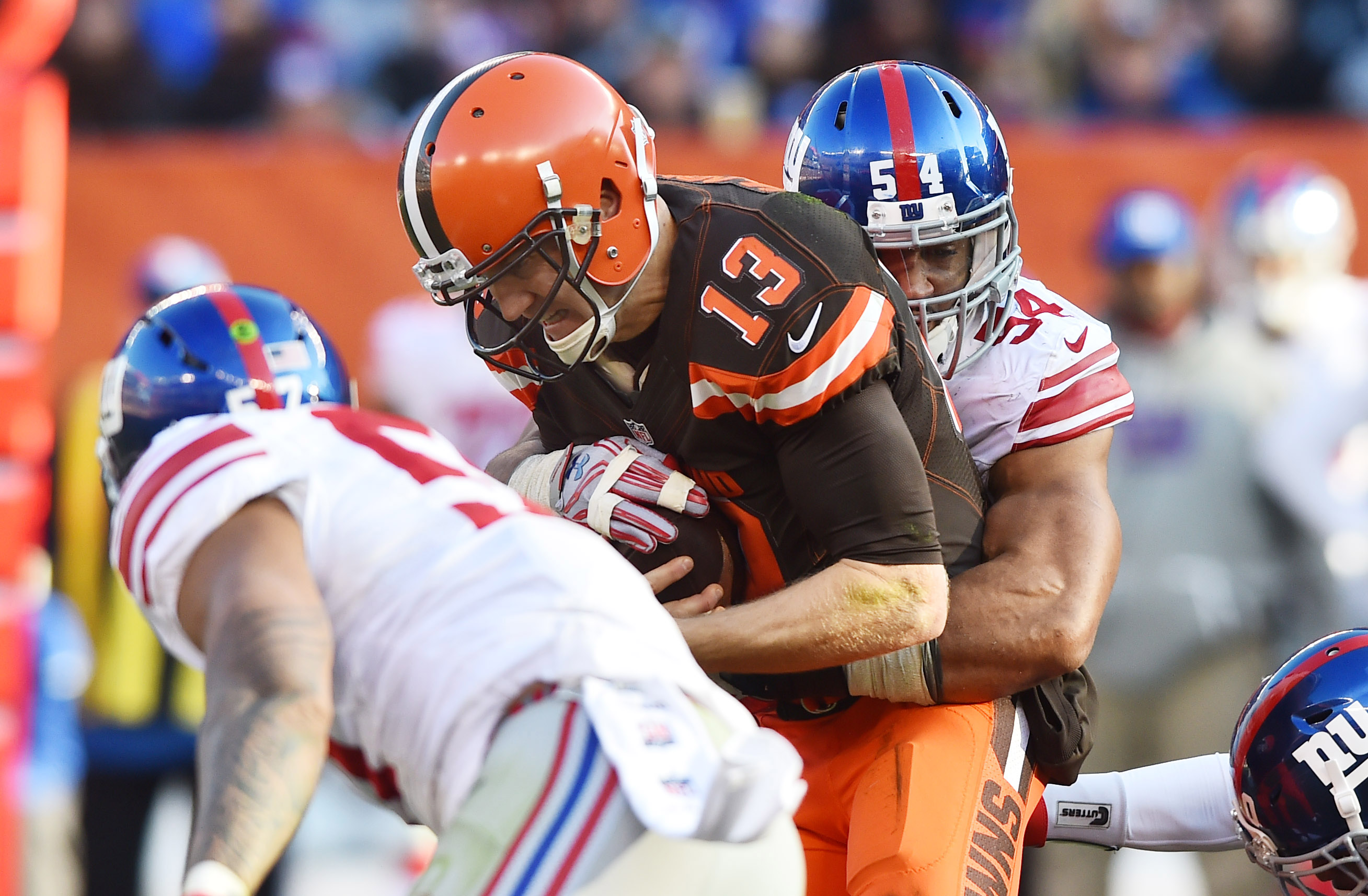 9709178-nfl-new-york-giants-at-cleveland-browns
