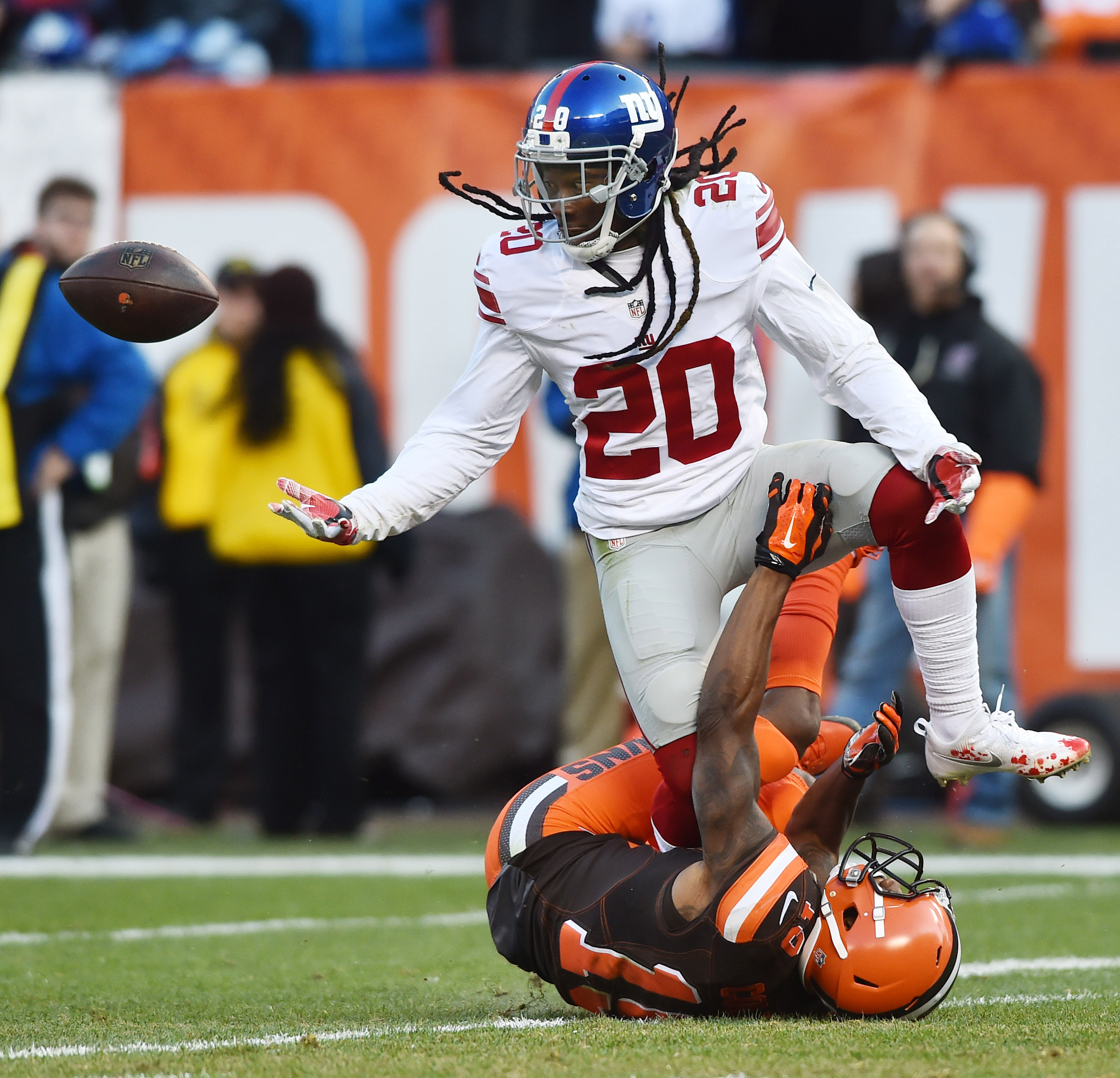9709363-nfl-new-york-giants-at-cleveland-browns