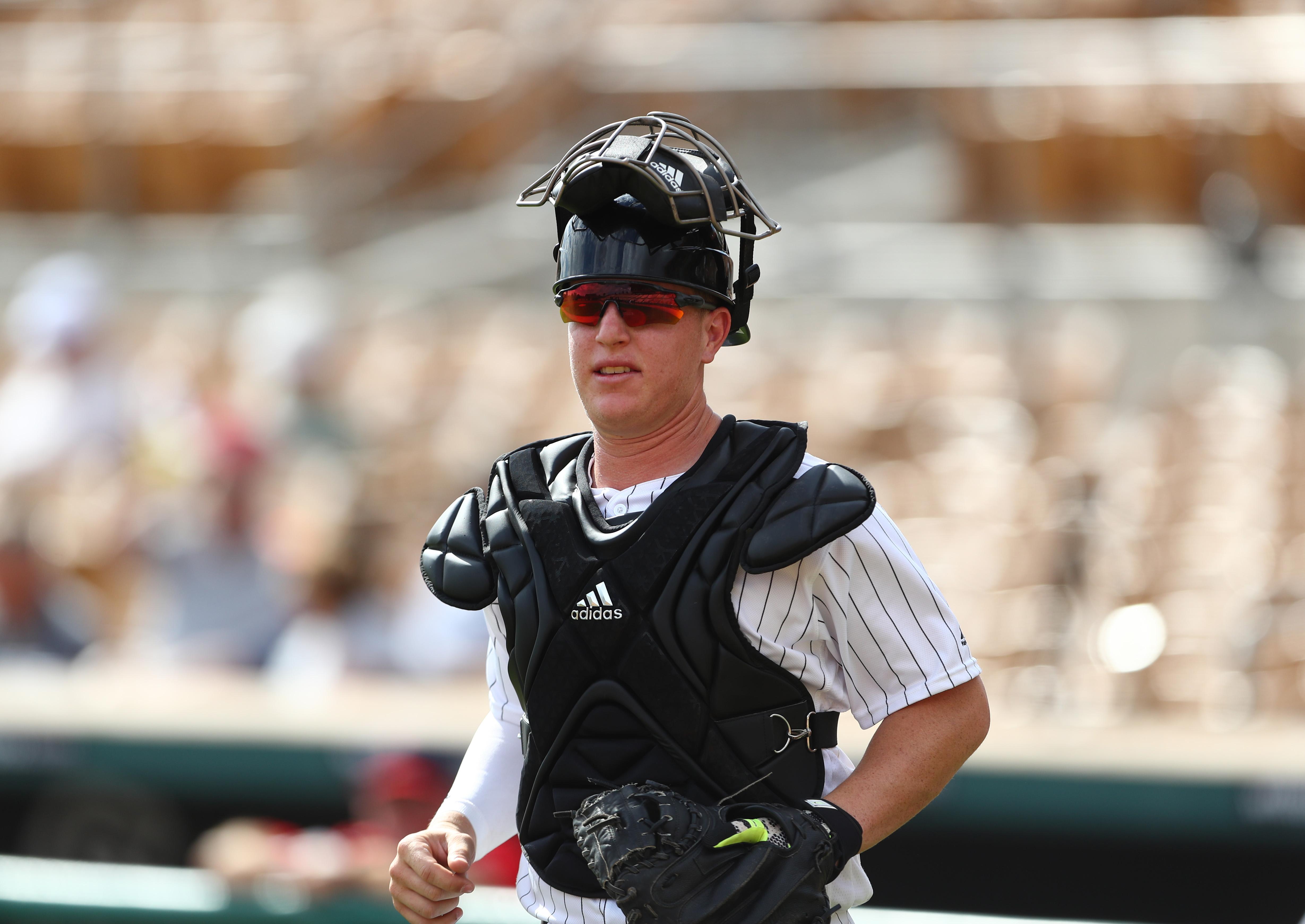 9710929-minor-league-baseball-arizona-fall-league-scottsdale-scorpions-at-glendale-desert-dogs