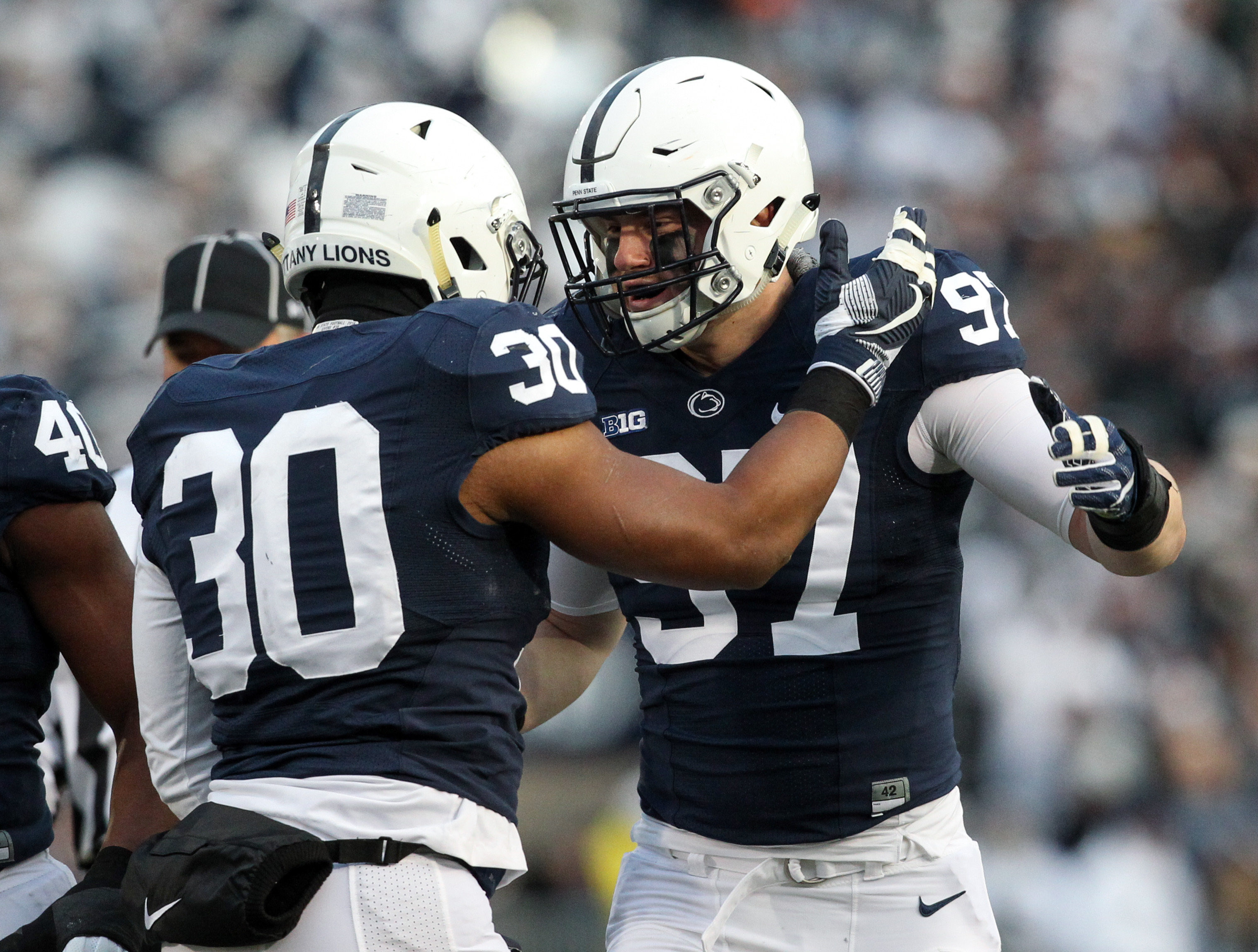 9718866-ncaa-football-michigan-state-at-penn-state