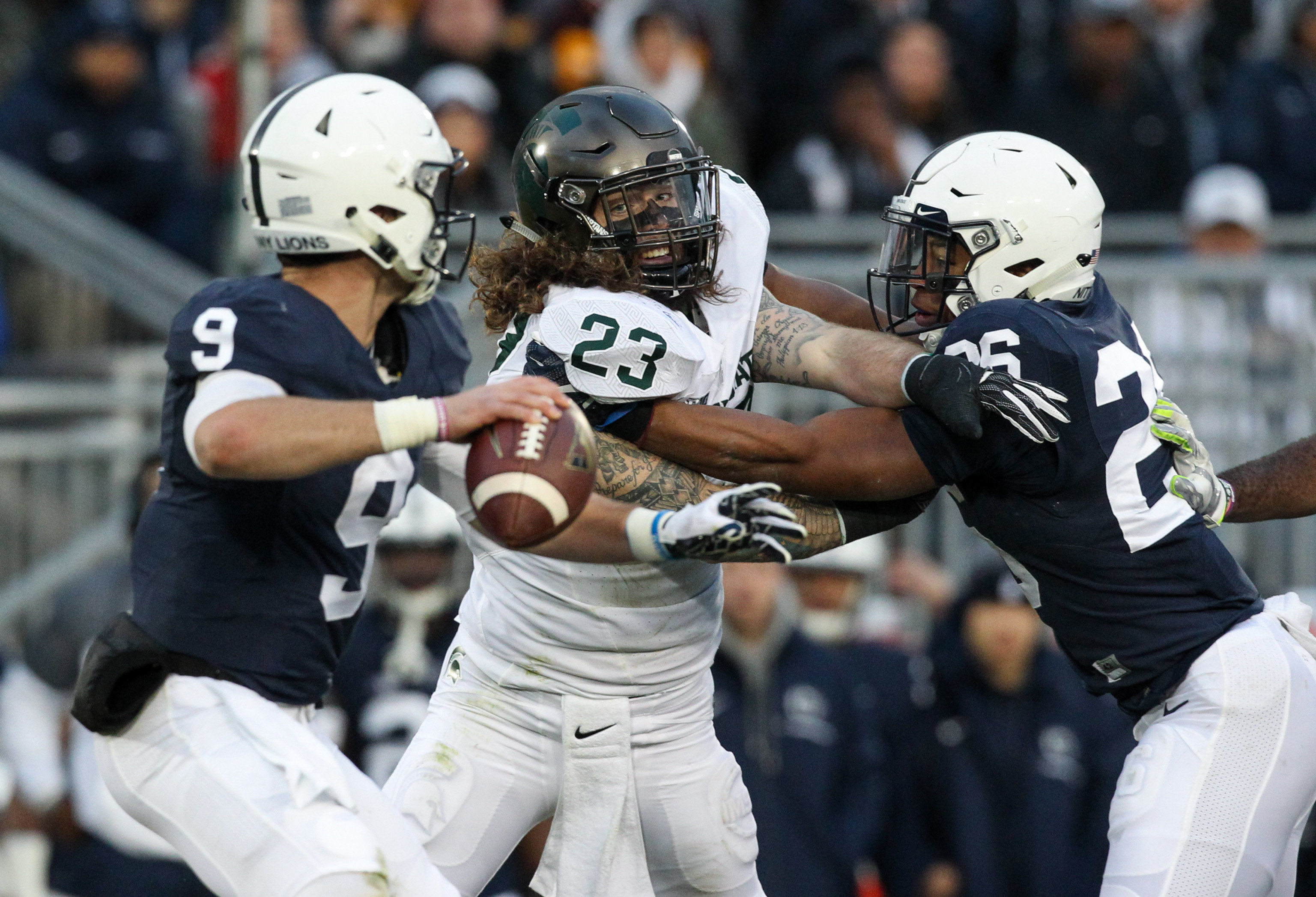 9718976-ncaa-football-michigan-state-at-penn-state