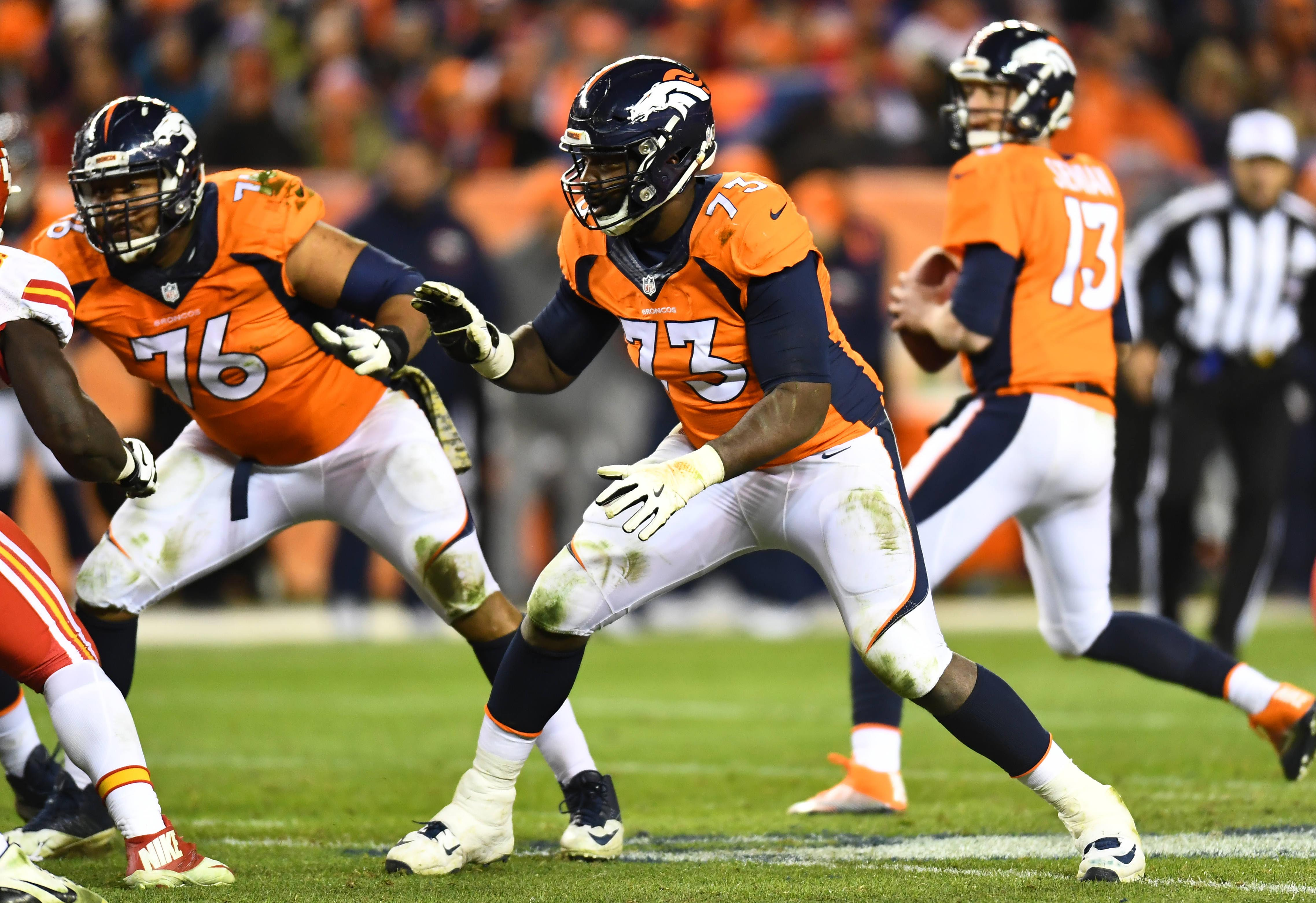 9722795-nfl-kansas-city-chiefs-at-denver-broncos