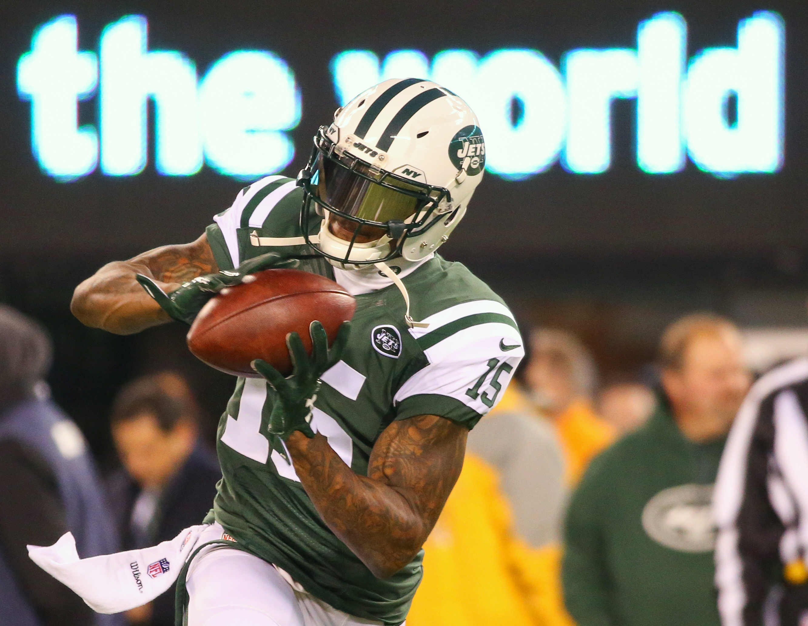 9727567-nfl-indianapolis-colts-at-new-york-jets