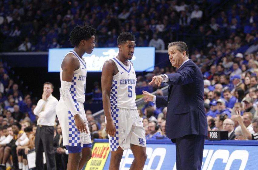 Dec 7, 2016; Lexington, KY, USA; Kentucky Wildcats head coach John Calipari talks with guard De'Aaron Fox (0) and guard Malik Monk (5) during the game against the Valparaiso Crusaders in the second half at Rupp Arena. Kentucky defeated Valparaiso 87-63. Mandatory Credit: Mark Zerof-USA TODAY Sports