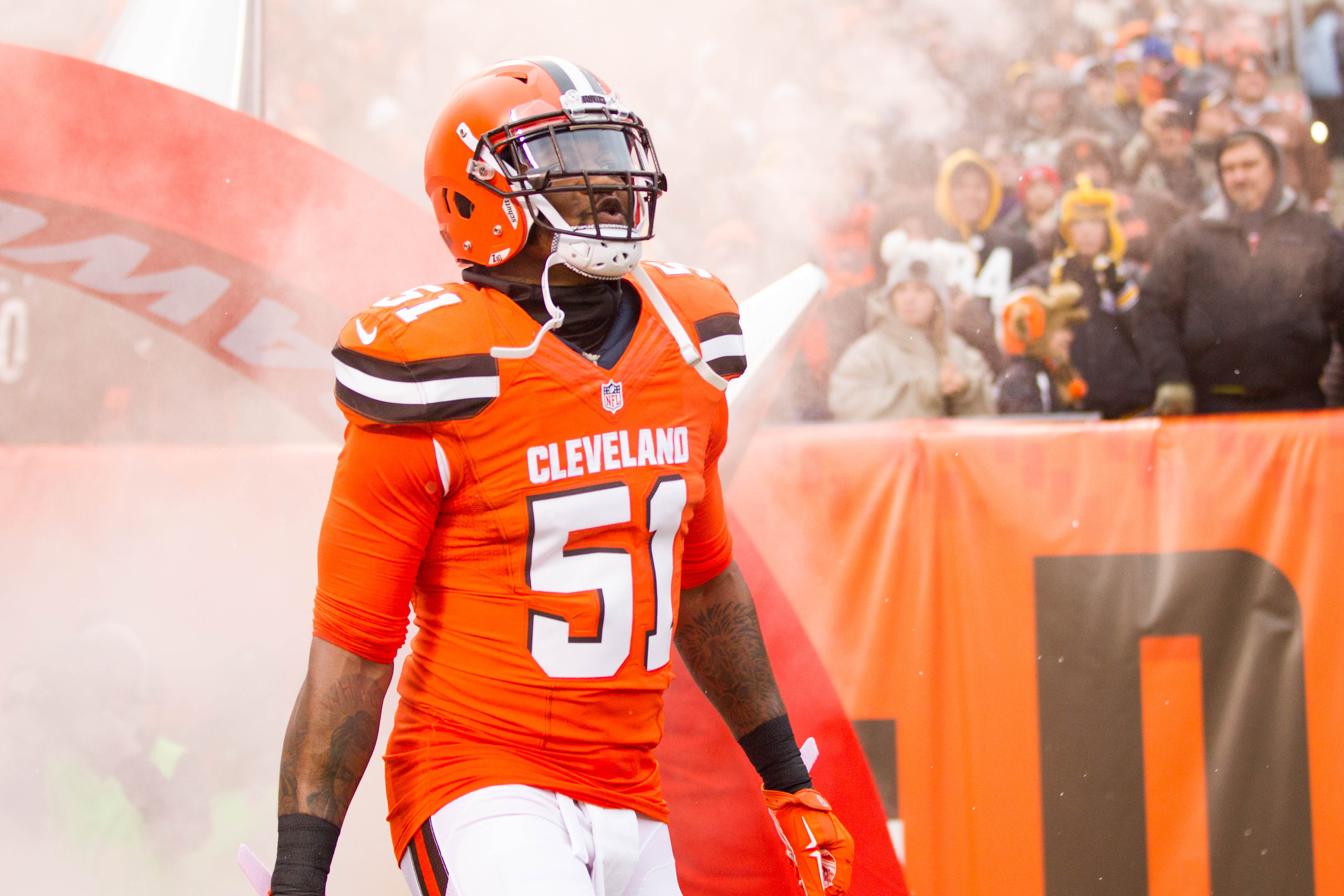 9735699-nfl-pittsburgh-steelers-at-cleveland-browns-3