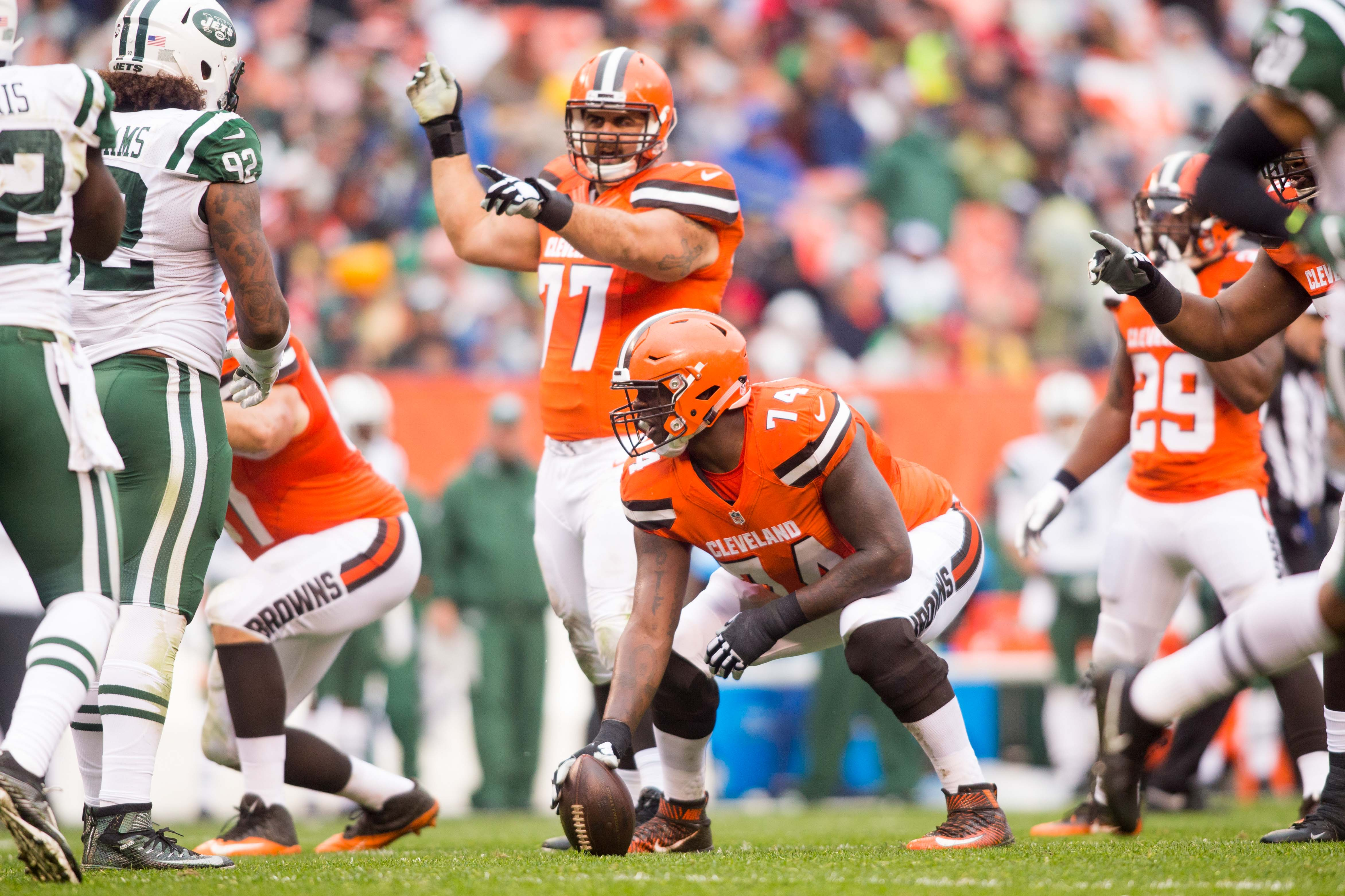 9735980-nfl-new-york-jets-at-cleveland-browns