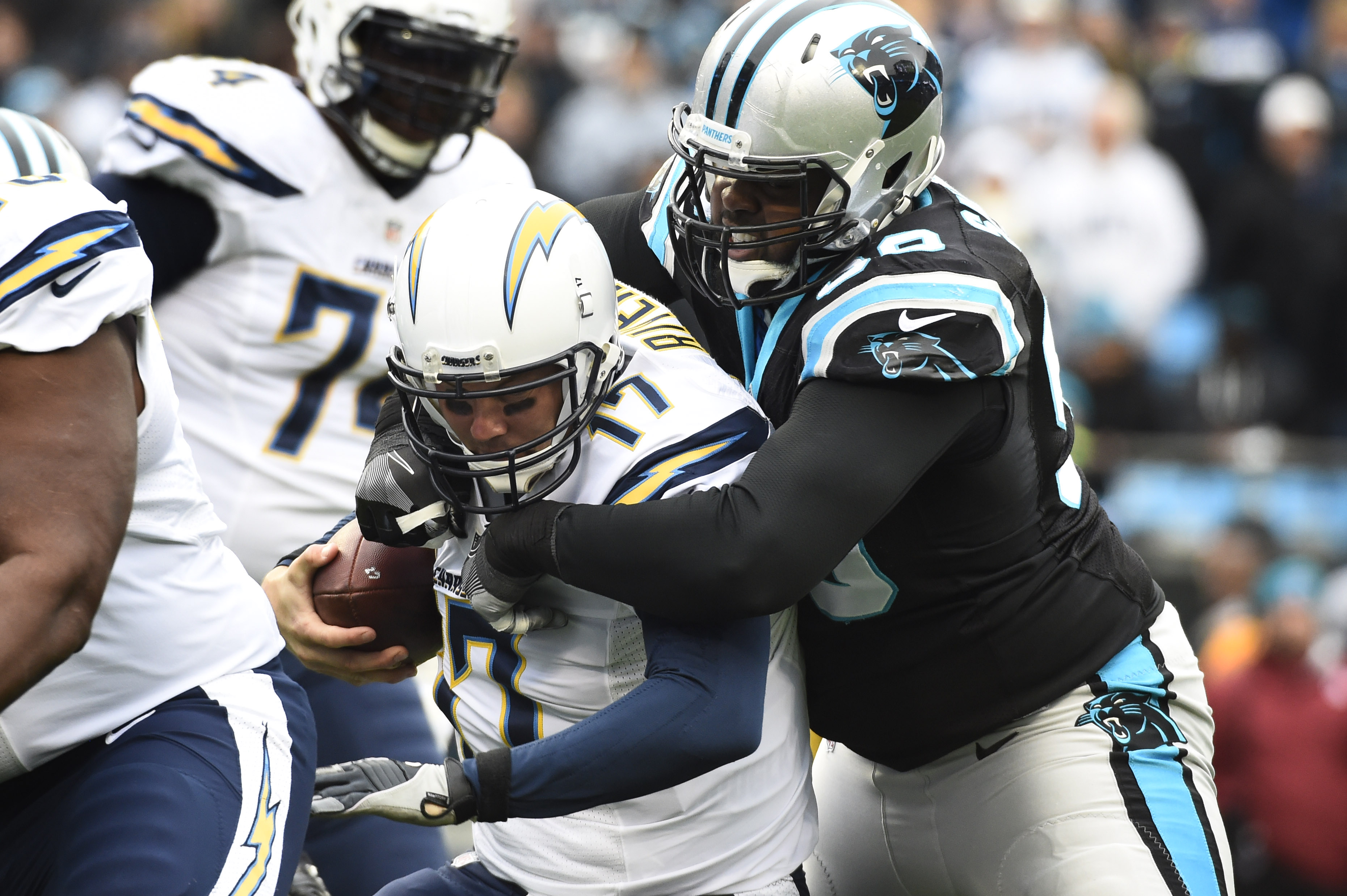 9740958-nfl-san-diego-chargers-at-carolina-panthers-1