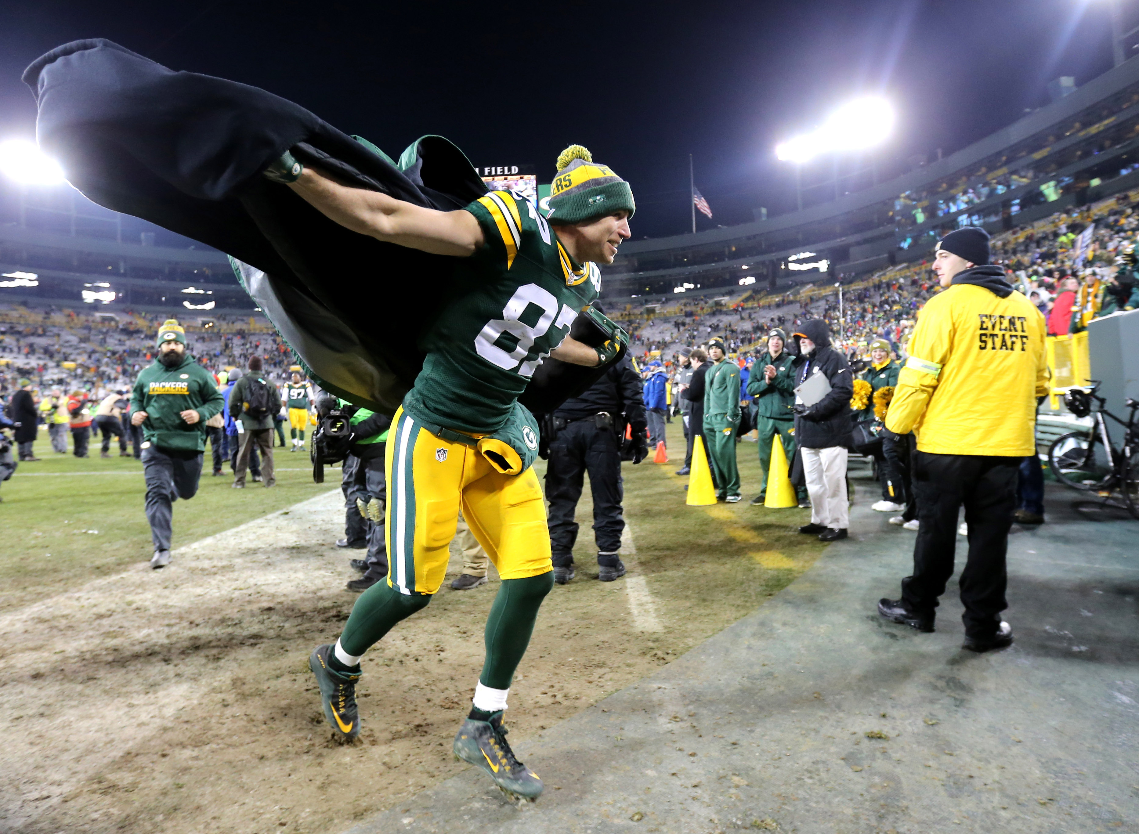 9742755-nfl-seattle-seahawks-at-green-bay-packers