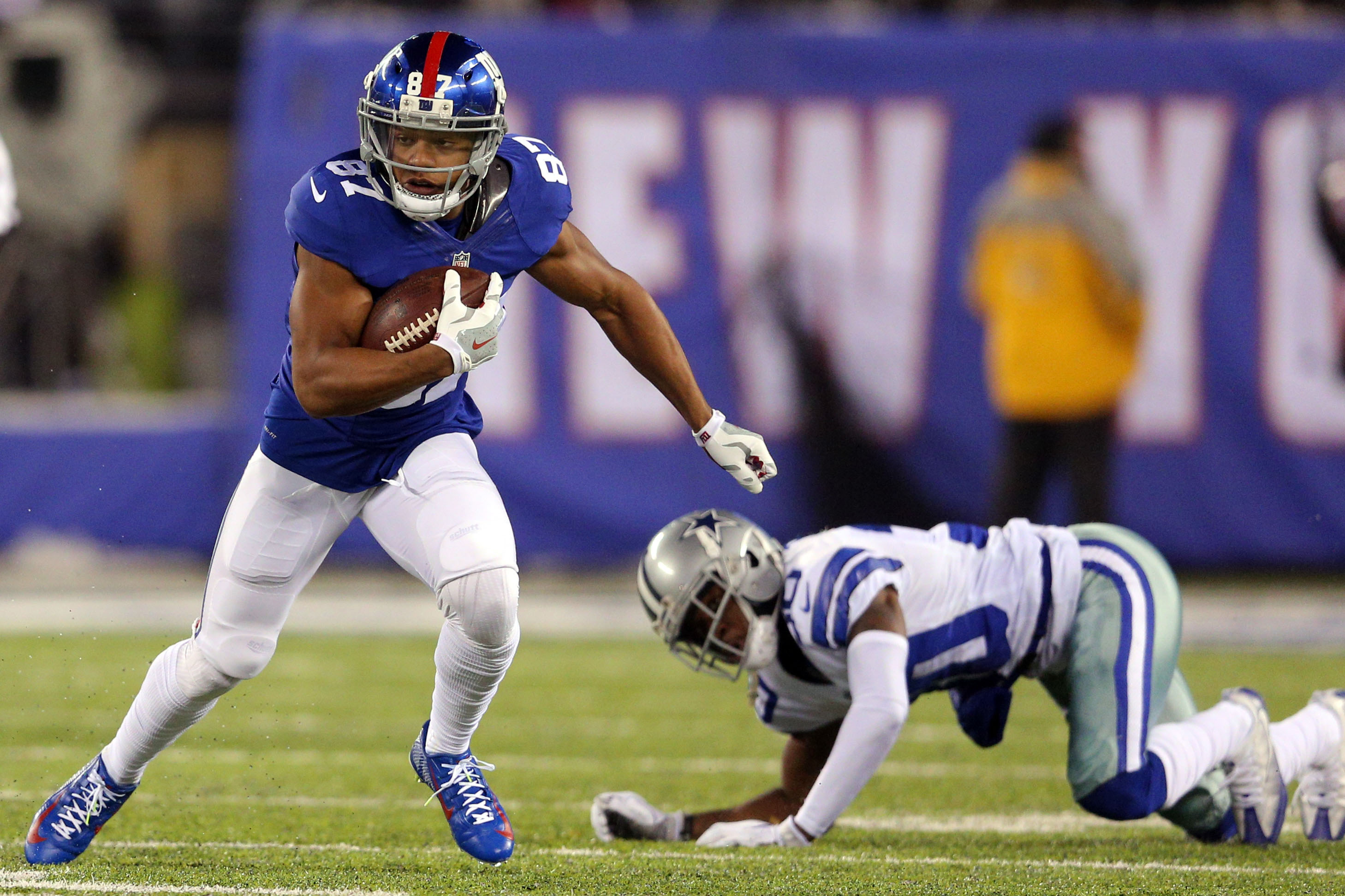 9742816-nfl-dallas-cowboys-at-new-york-giants