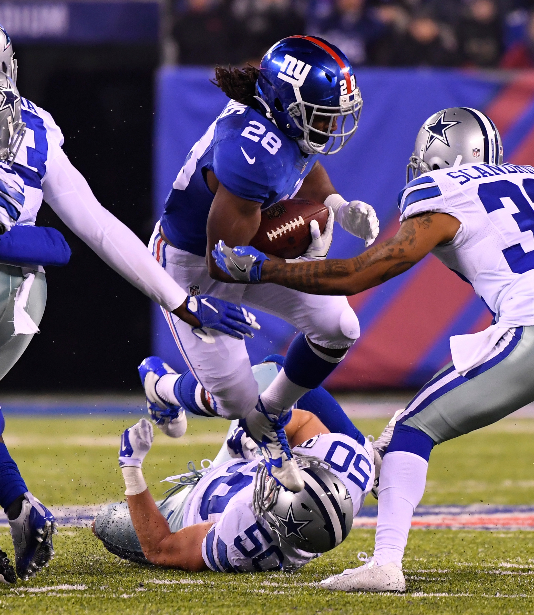 9743327-nfl-dallas-cowboys-at-new-york-giants