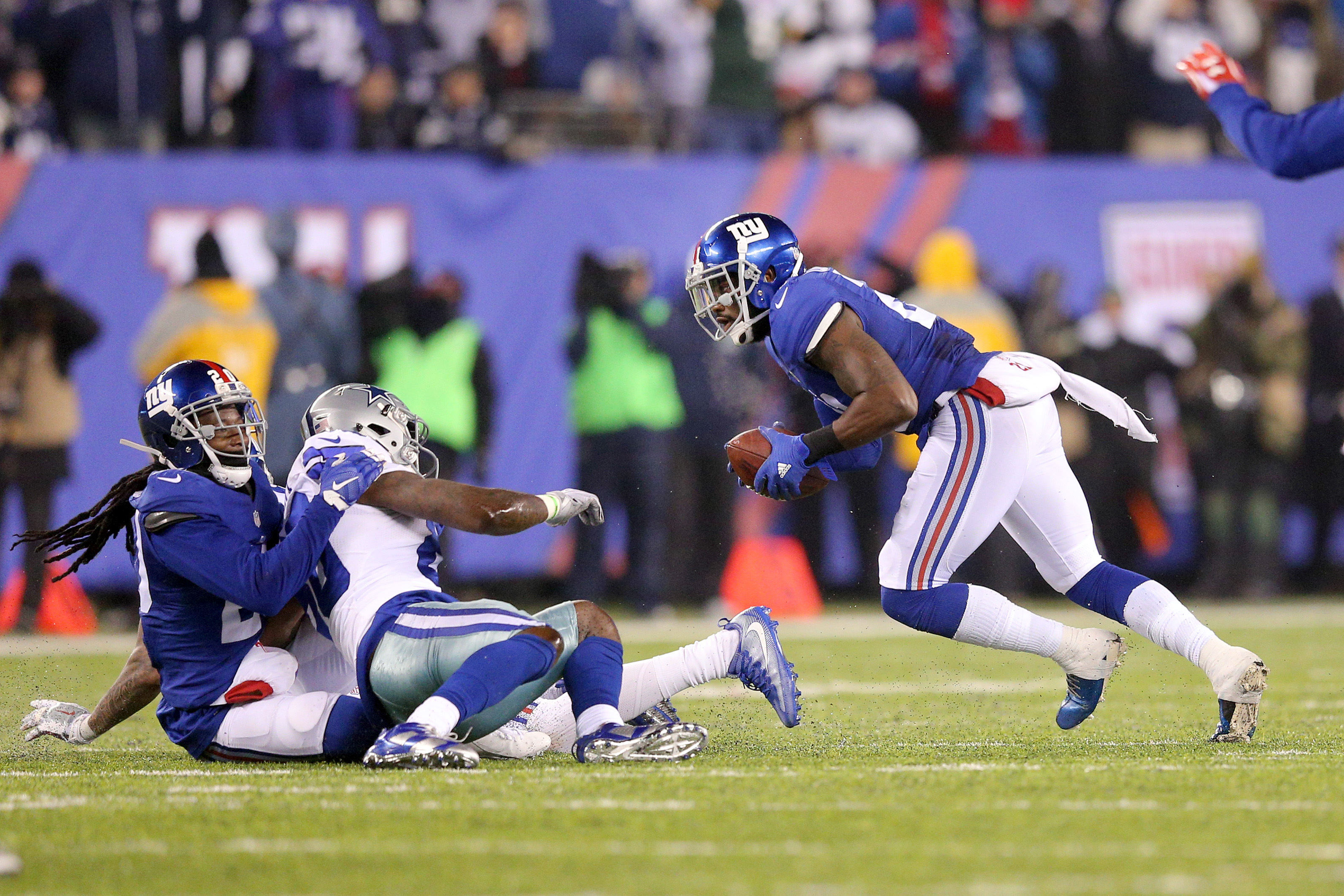 9743329-nfl-dallas-cowboys-at-new-york-giants