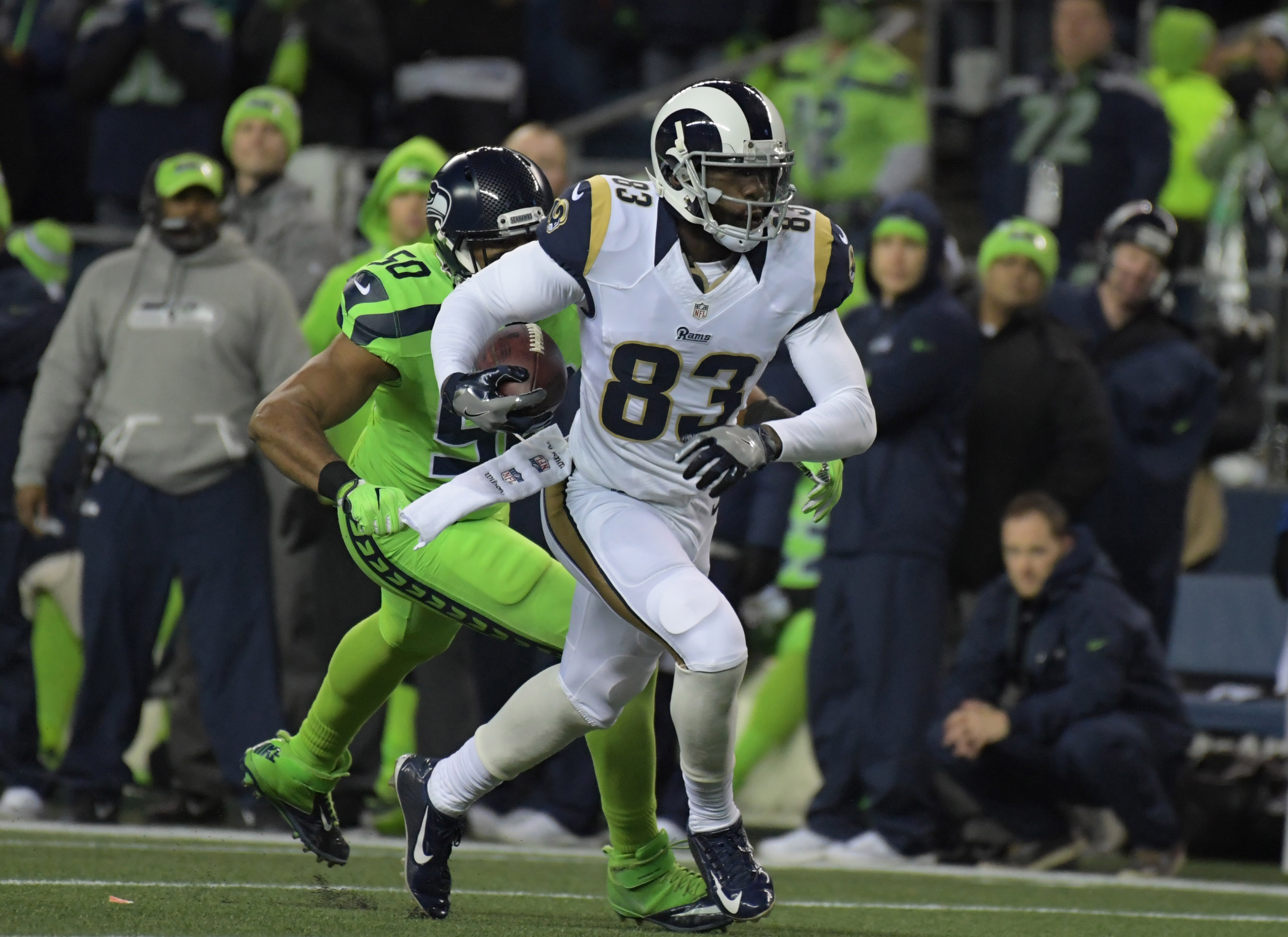 9747960-nfl-los-angeles-rams-at-seattle-seahawks