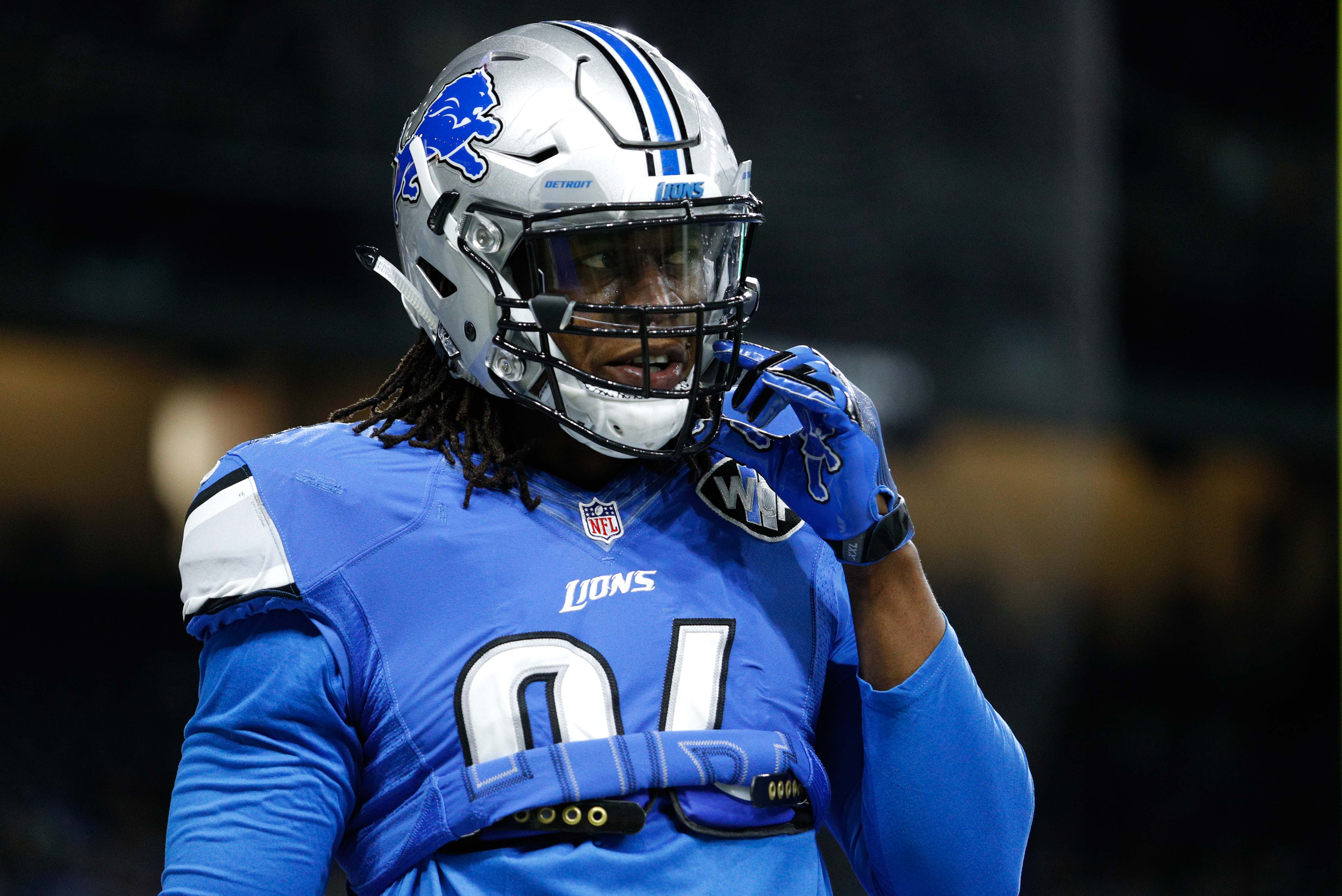 9748545-nfl-chicago-bears-at-detroit-lions-2