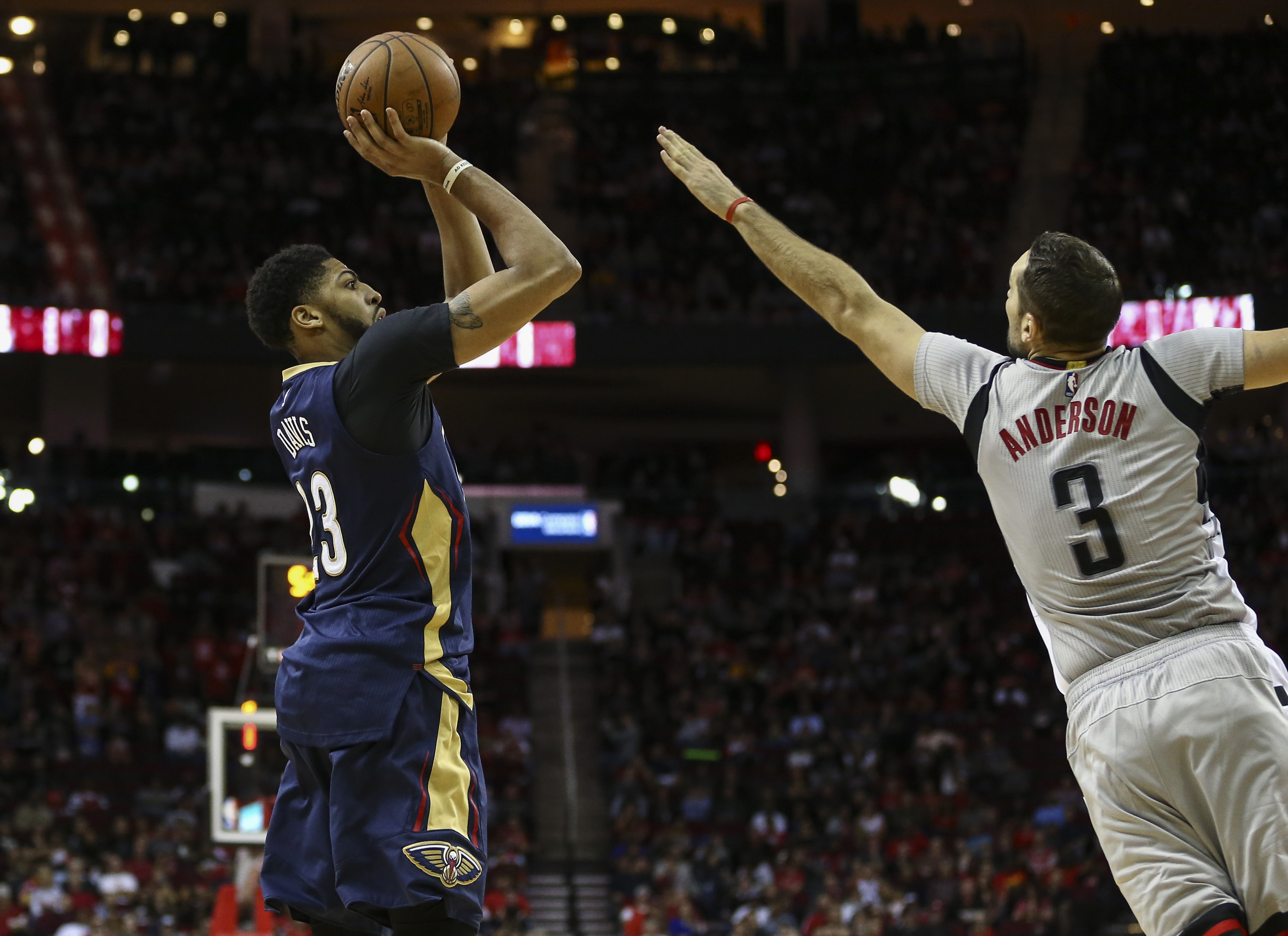 9749763-nba-new-orleans-pelicans-at-houston-rockets