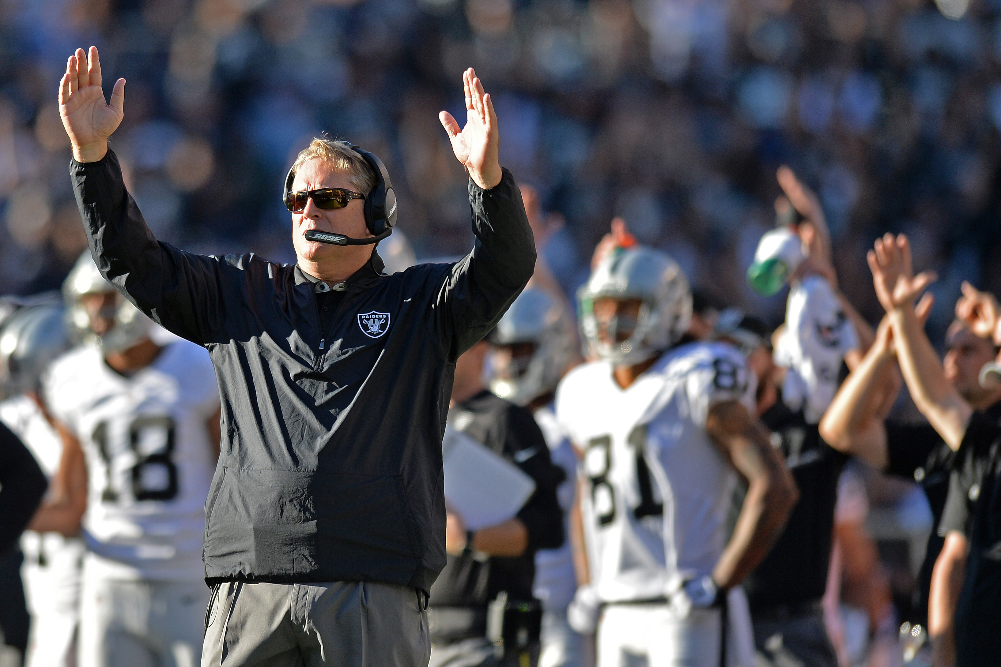 Calico Jack Why The Oakland Raiders Should Extend Del Rio