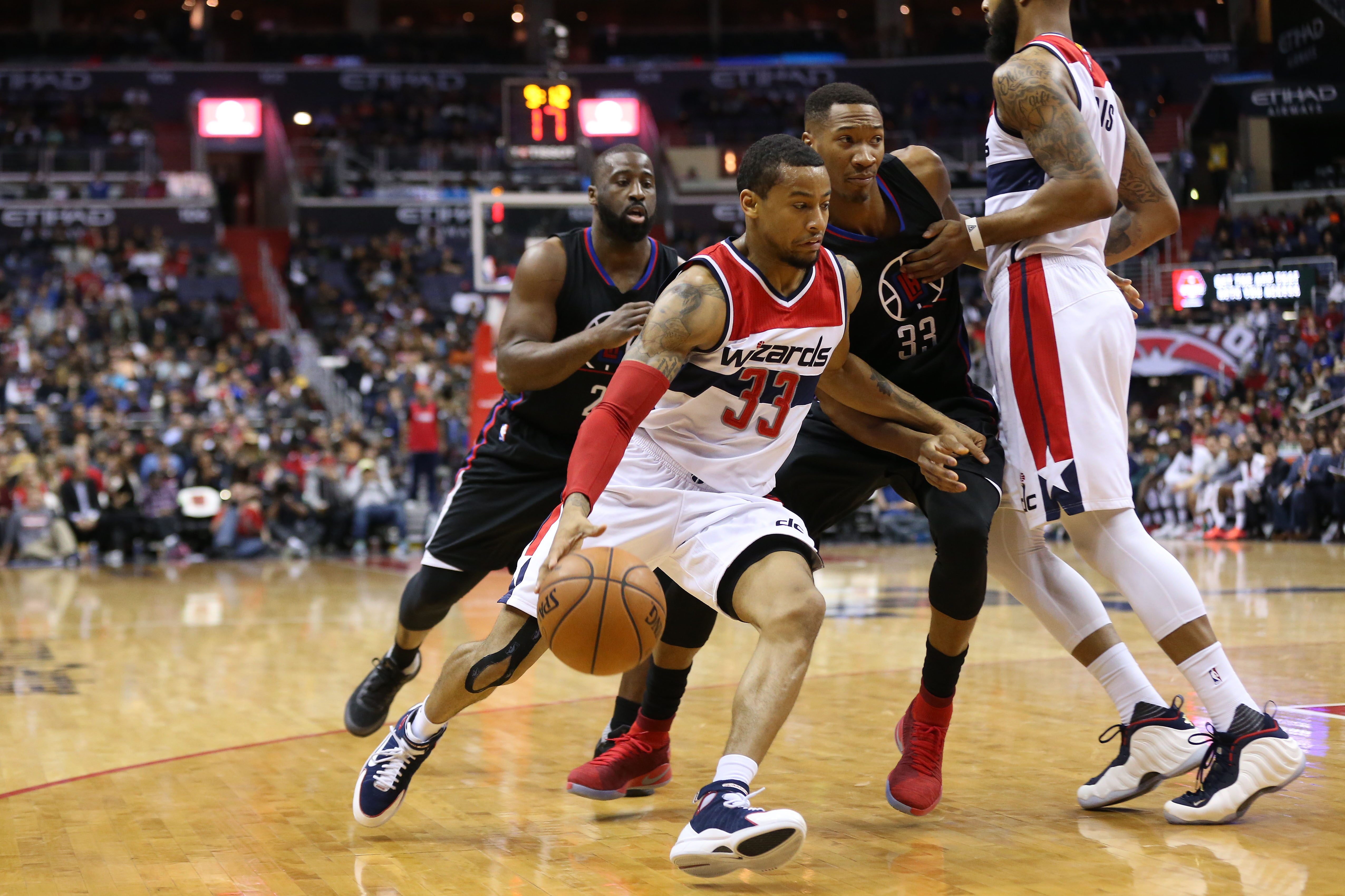 9755663-nba-los-angeles-clippers-at-washington-wizards