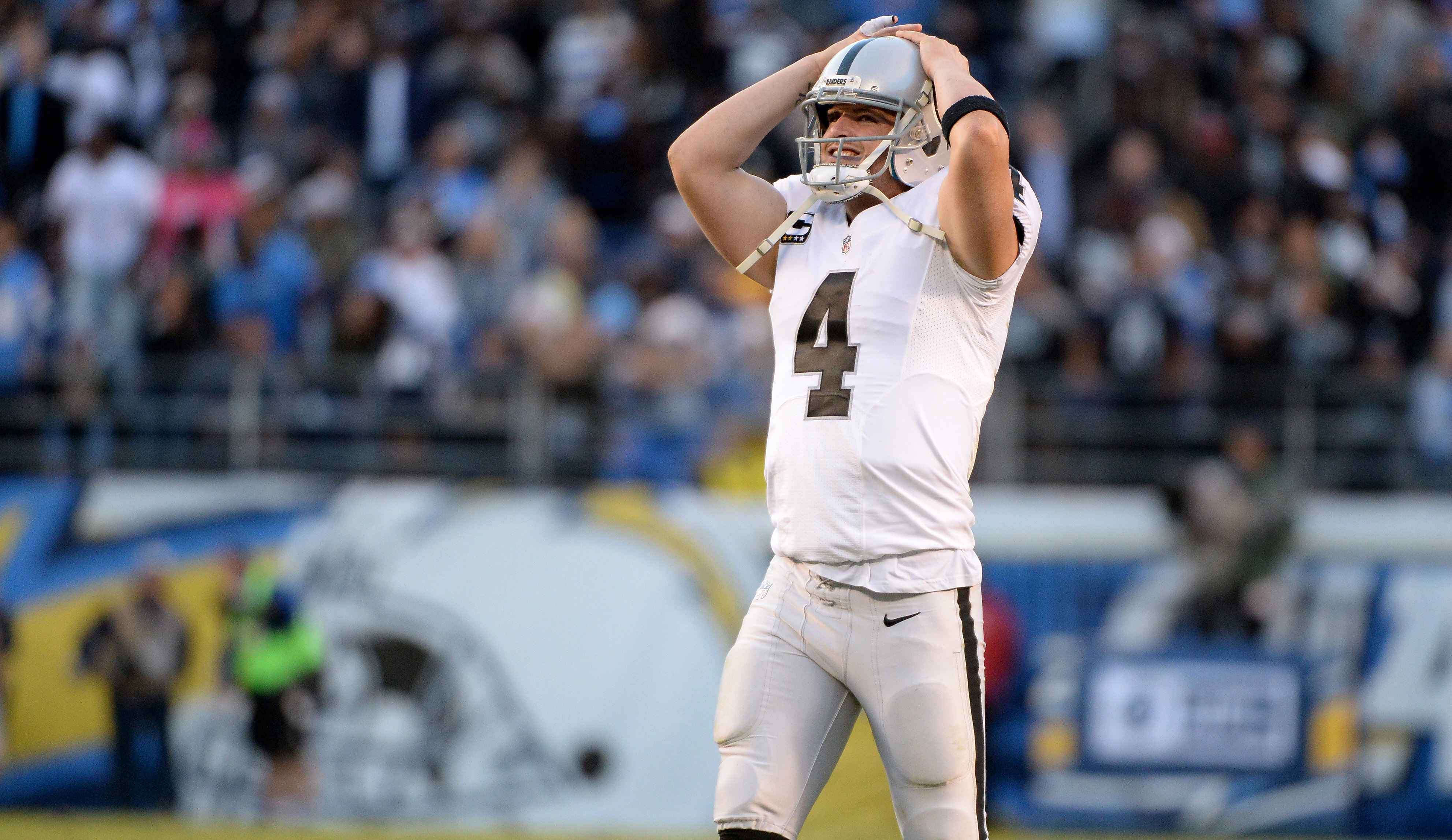 9755756-nfl-oakland-raiders-at-san-diego-chargers