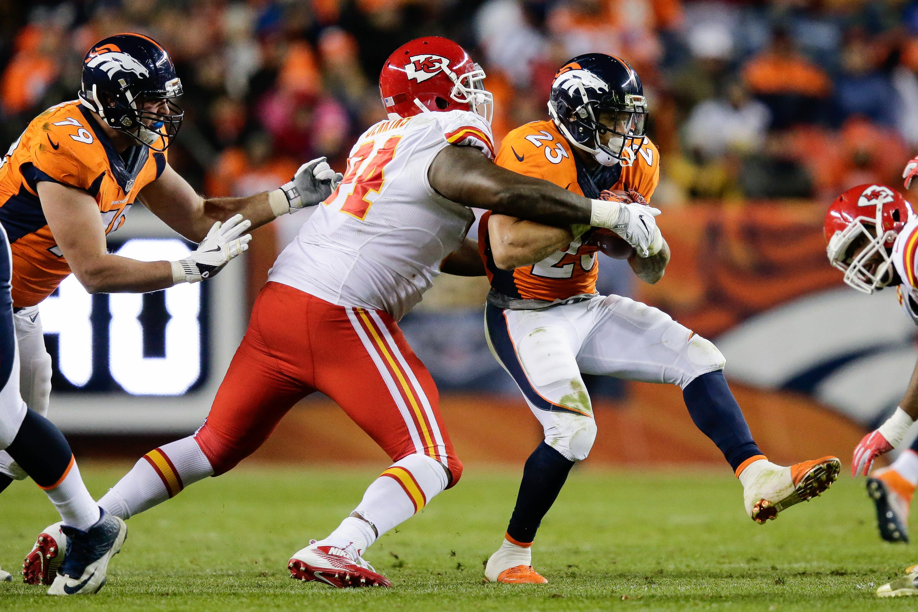 9757093-nfl-kansas-city-chiefs-at-denver-broncos