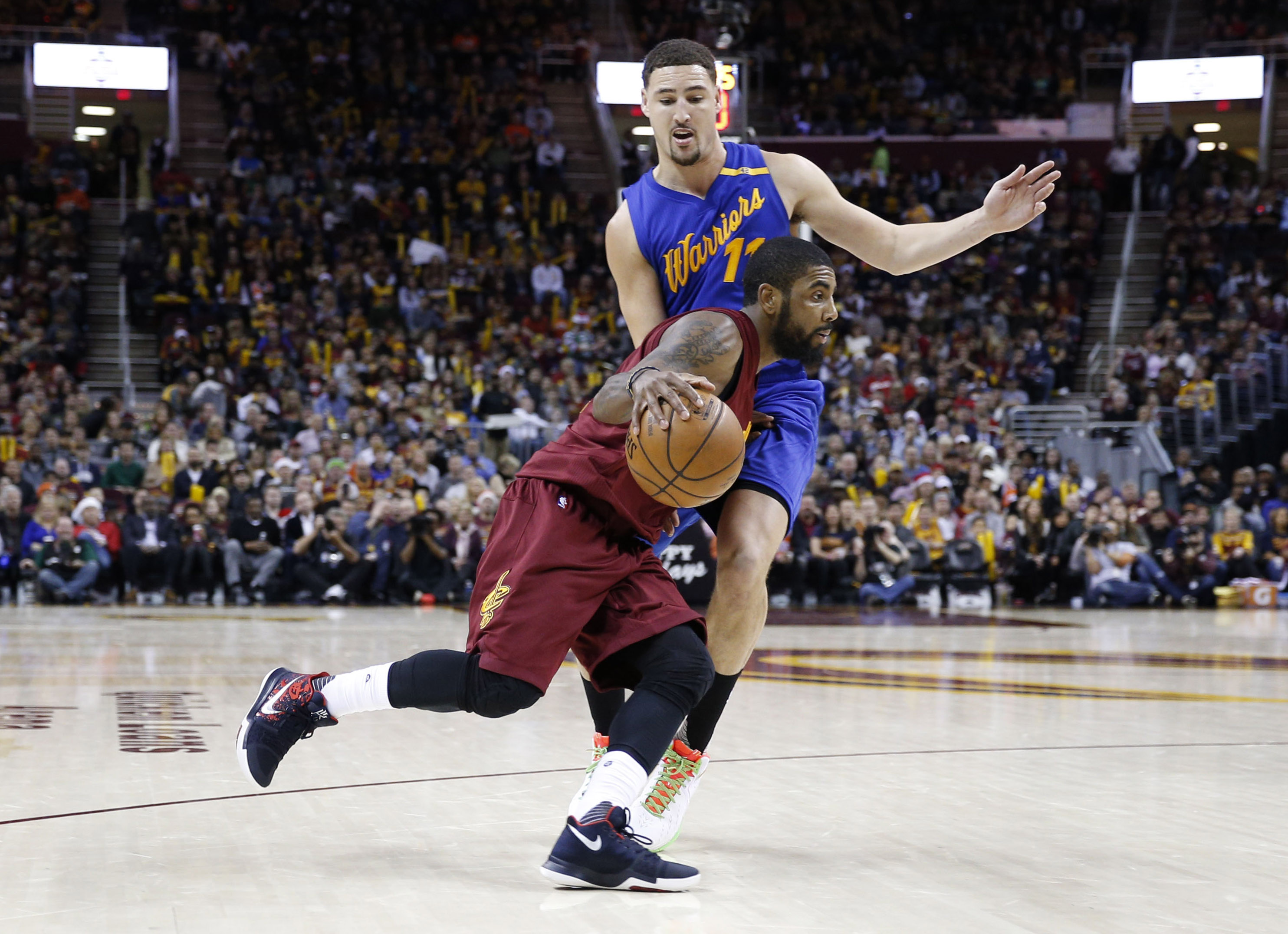 9768635-nba-golden-state-warriors-at-cleveland-cavaliers
