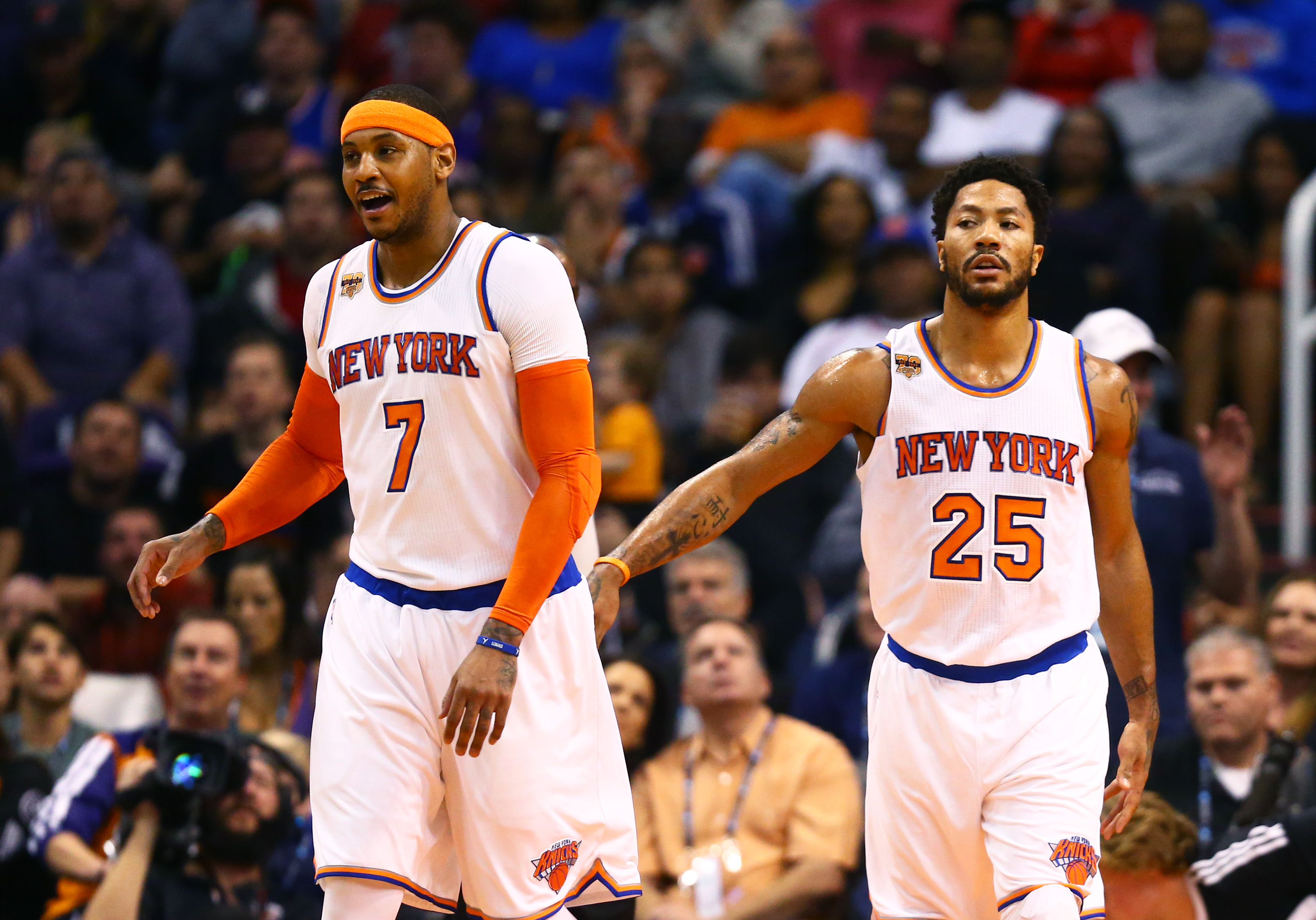 9770532-nba-new-york-knicks-at-phoenix-suns